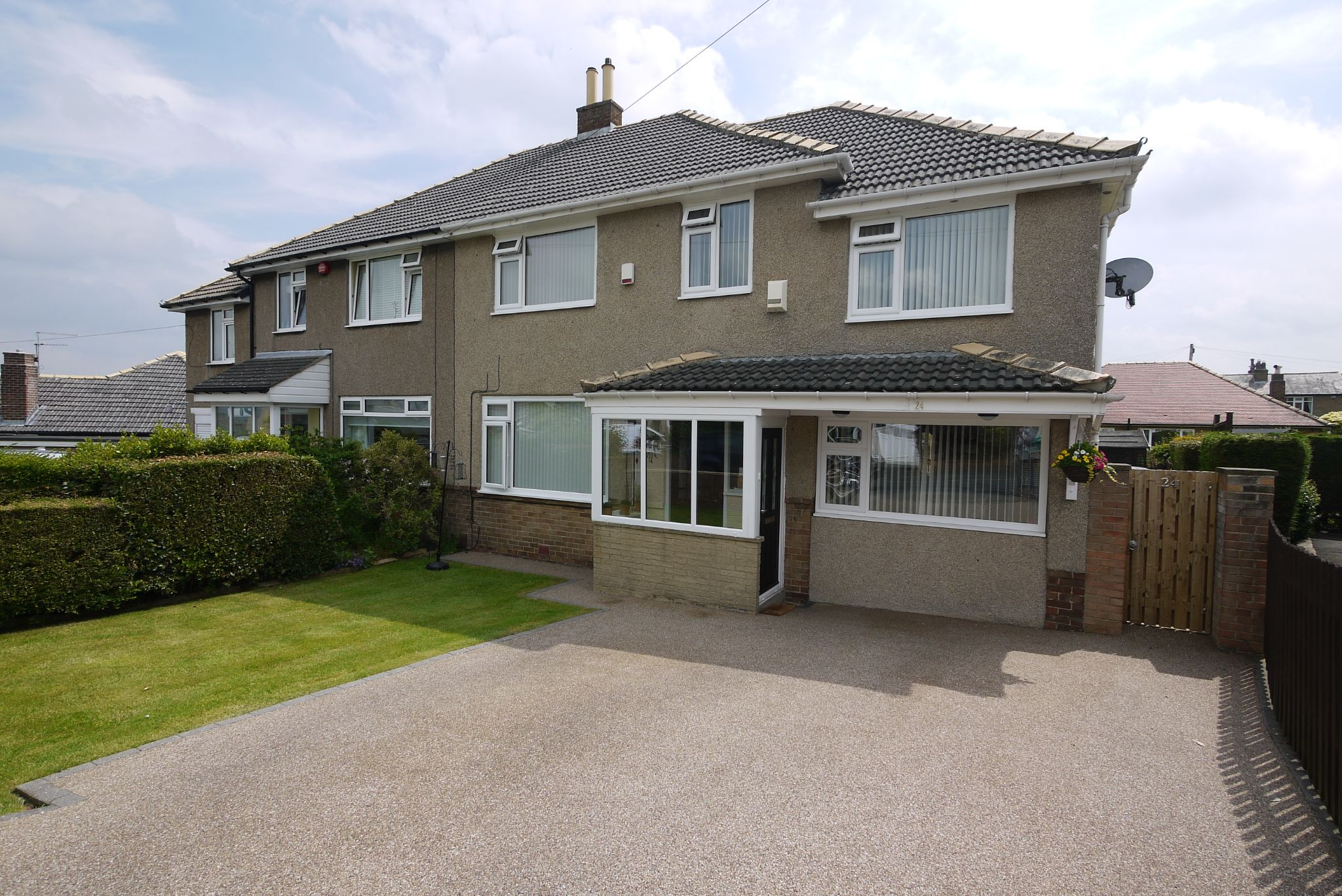 4 bedroom semi-detached house Sold in Brighouse - Photograph 1.