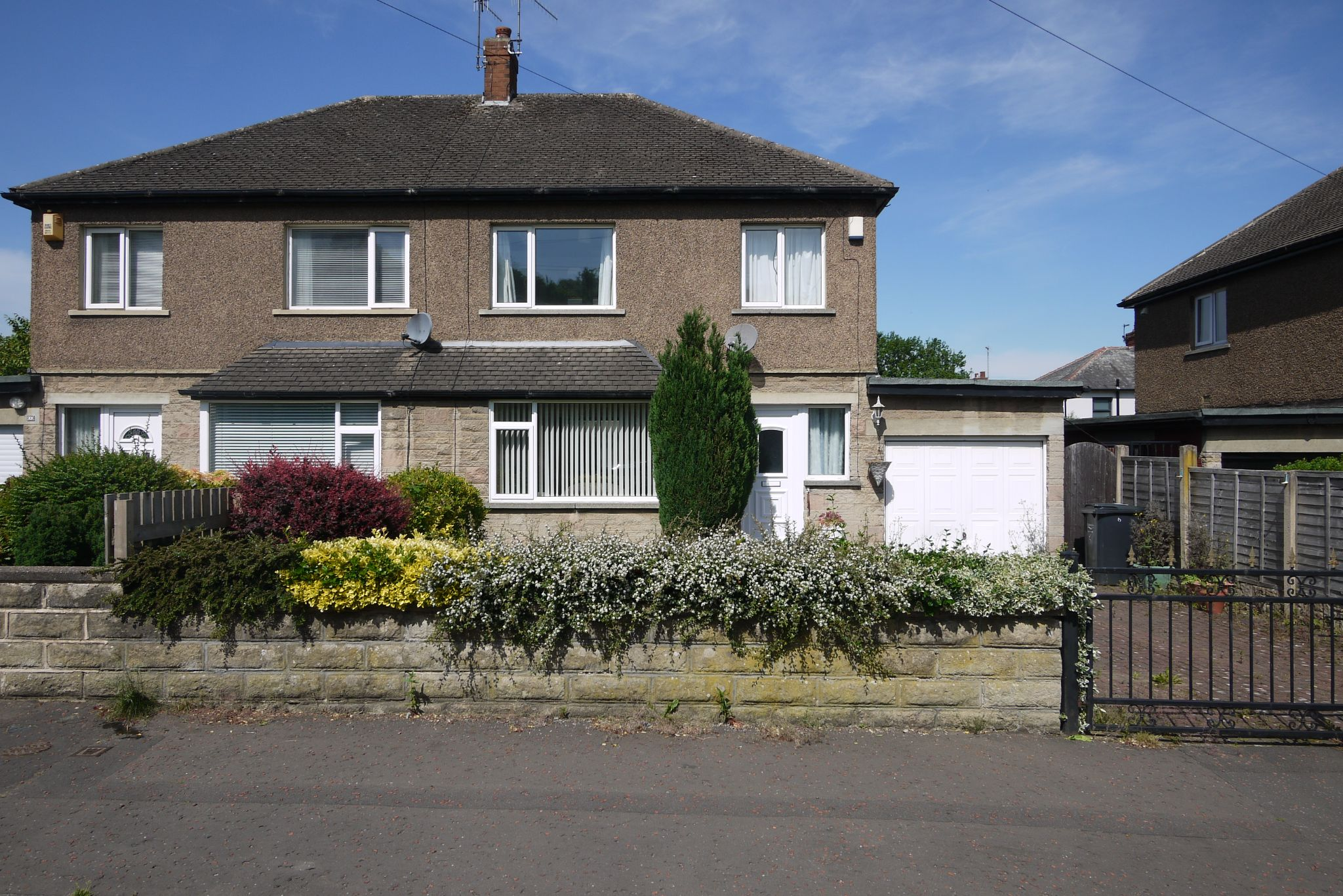 3 bedroom semi-detached house Sold in Brighouse - Photograph 1.