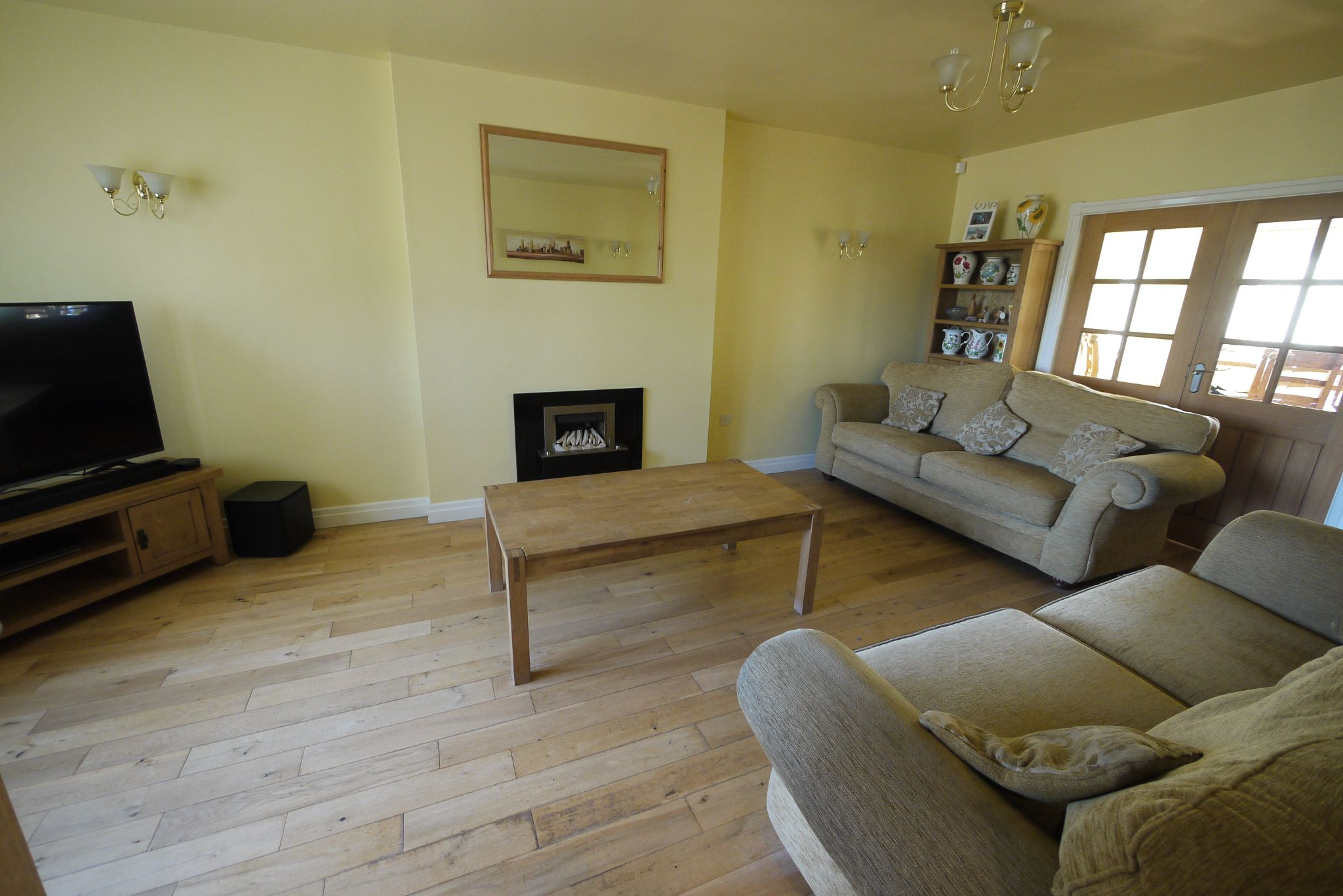 5 bedroom detached house For Sale in Brighouse - Photograph 2.