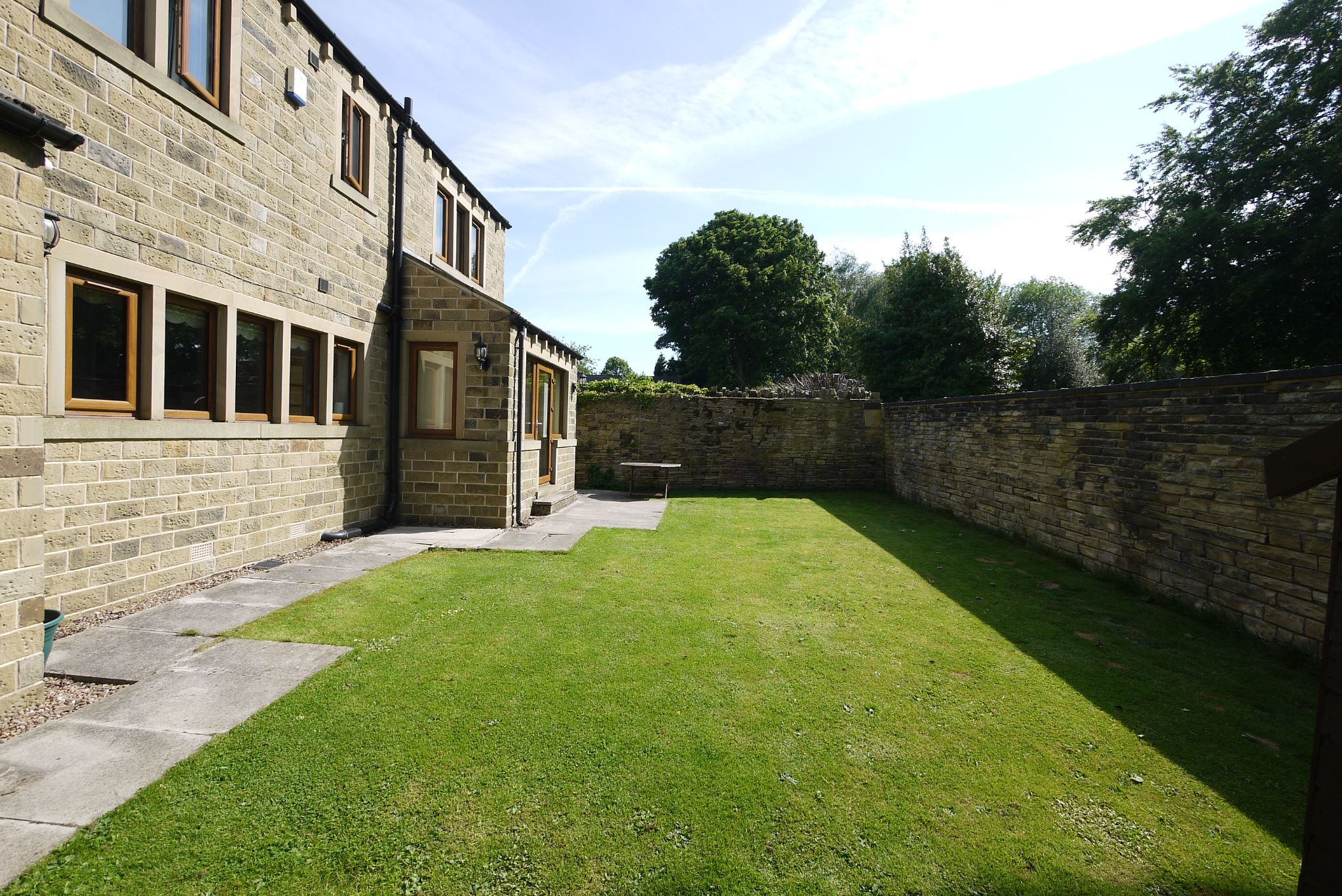5 bedroom detached house For Sale in Brighouse - Photograph 15.