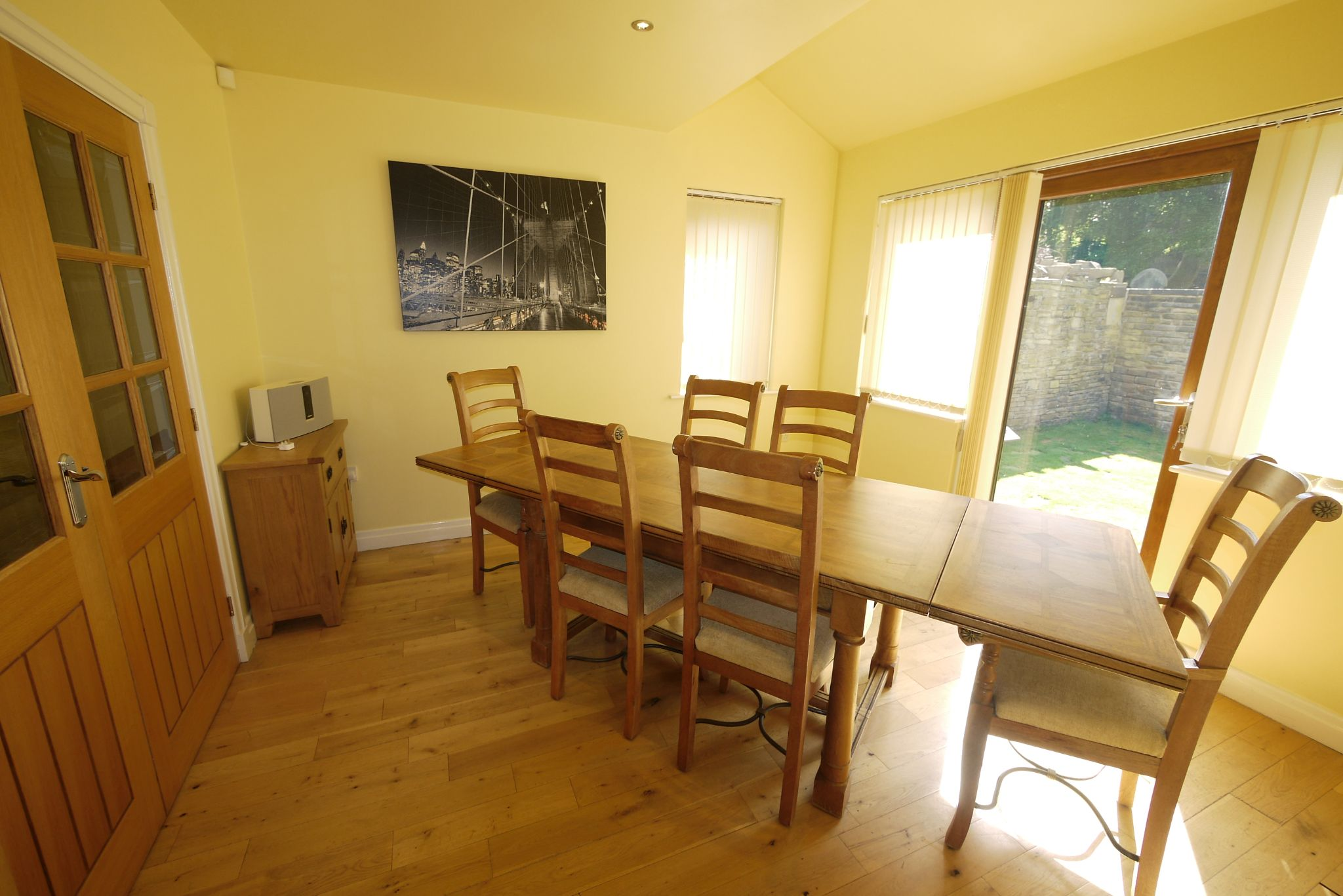 5 bedroom detached house For Sale in Brighouse - Photograph 6.