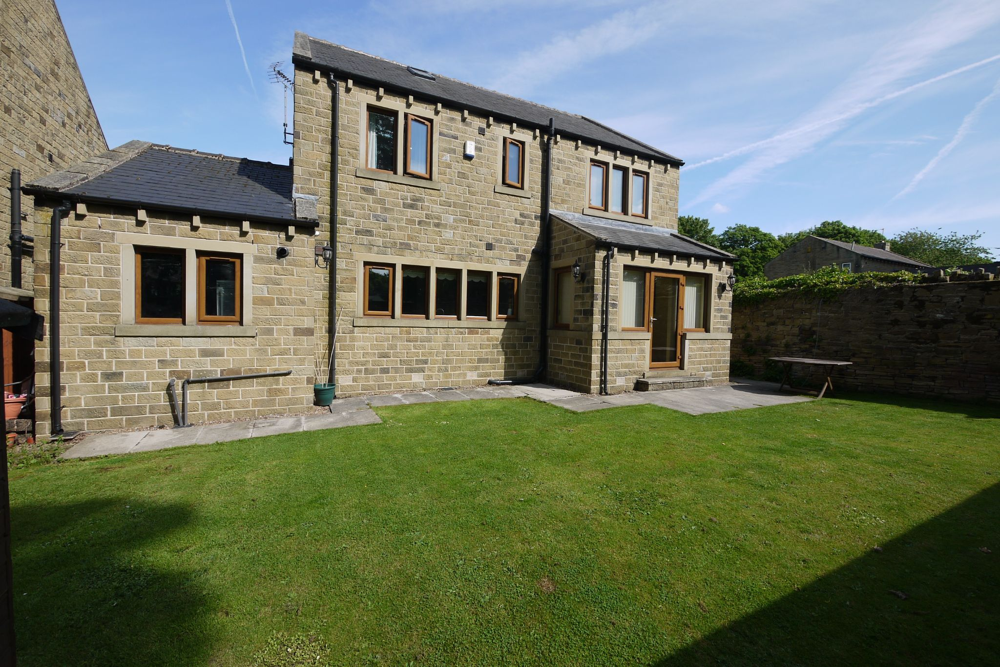 5 bedroom detached house For Sale in Brighouse - Photograph 17.