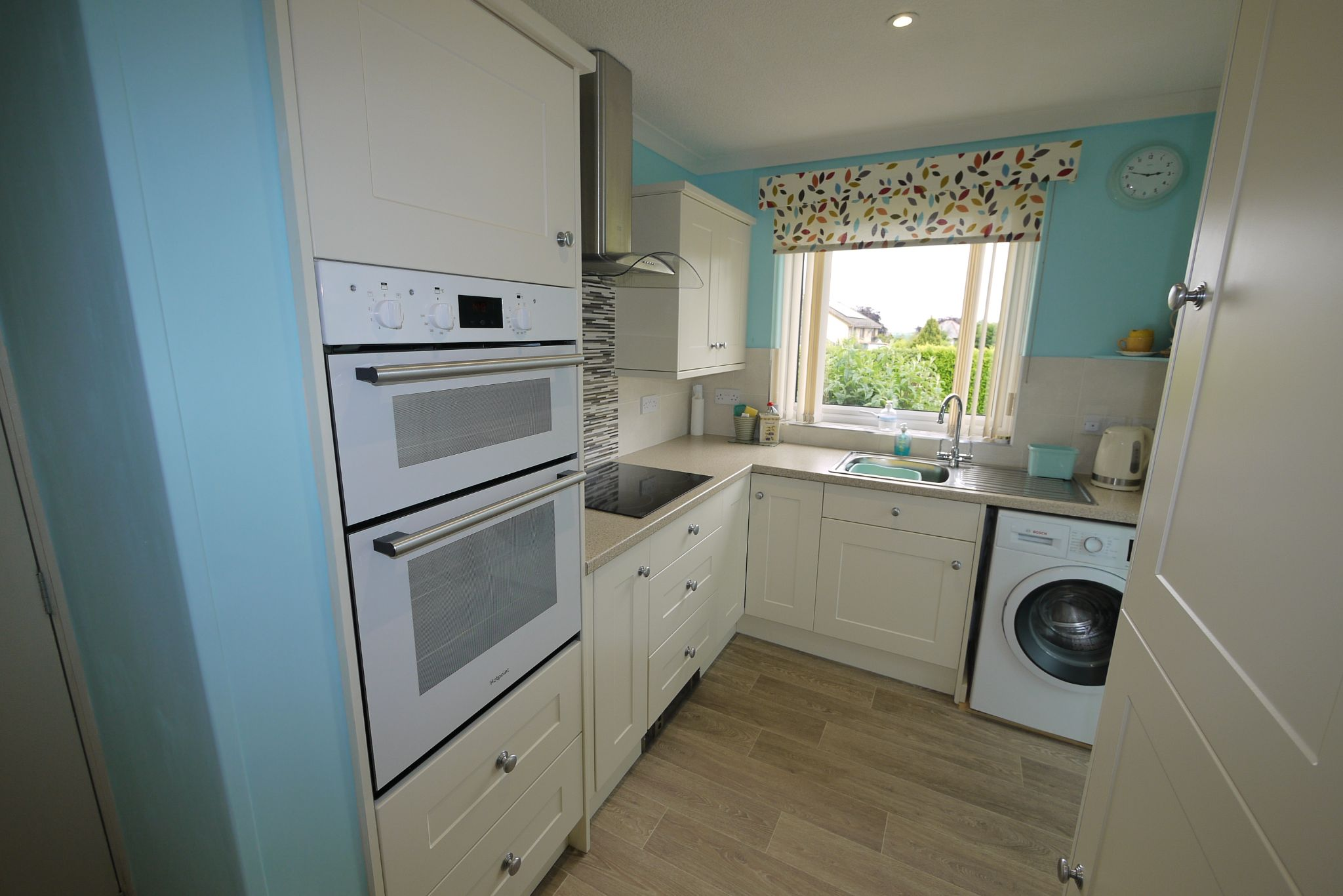 2 bedroom detached bungalow SSTC in Brighouse - Kitchen 1.