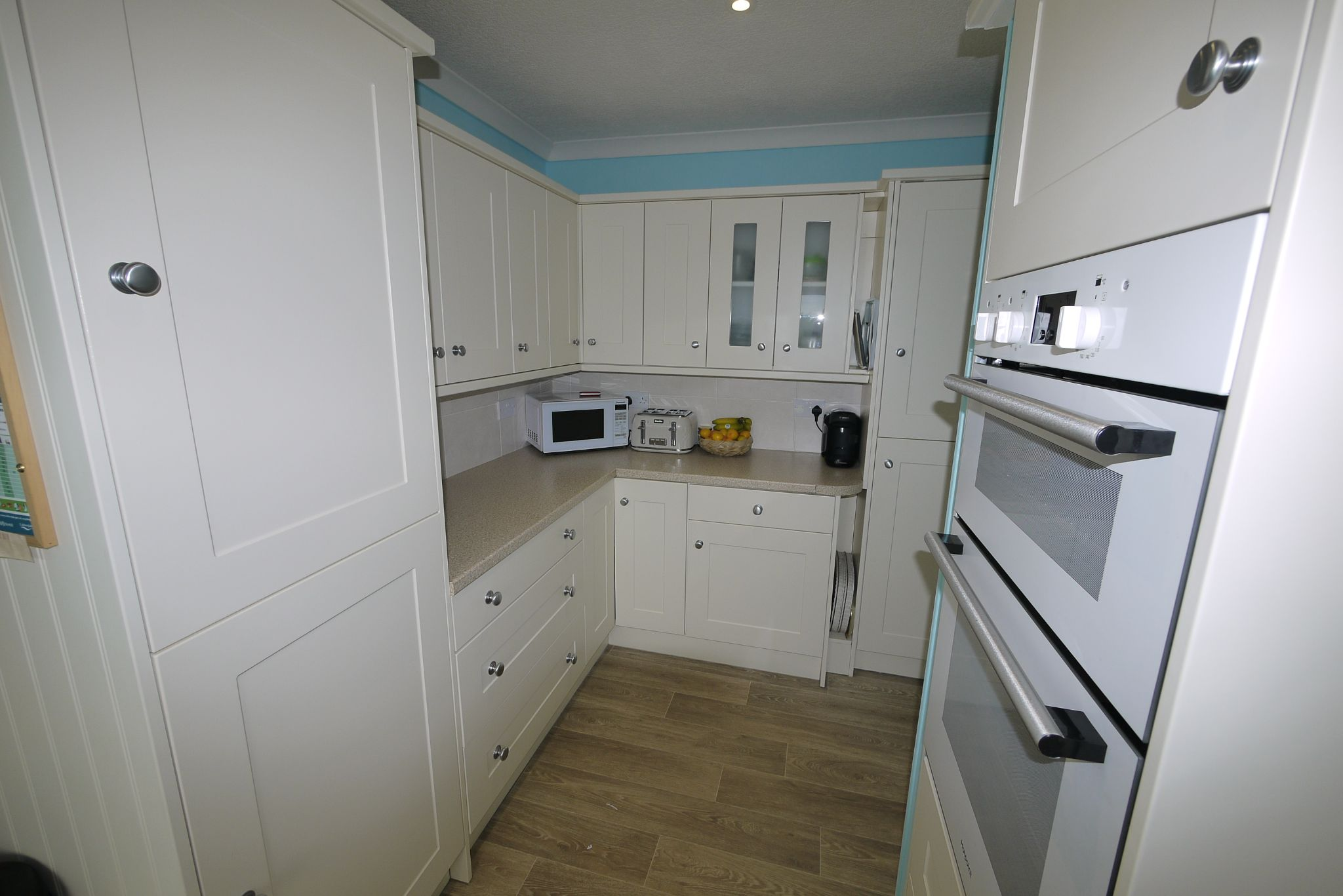 2 bedroom detached bungalow SSTC in Brighouse - Kitchen 3.