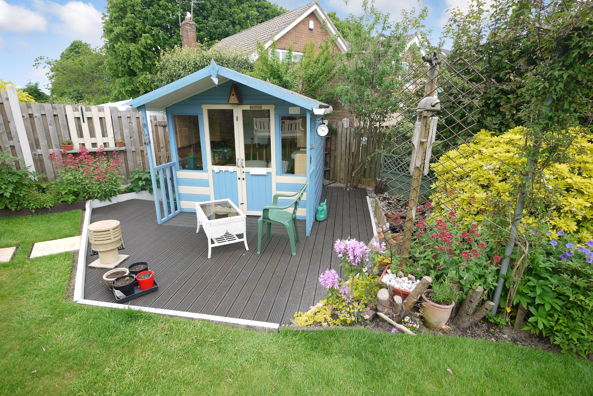 2 bedroom detached bungalow SSTC in Brighouse - Summer House.