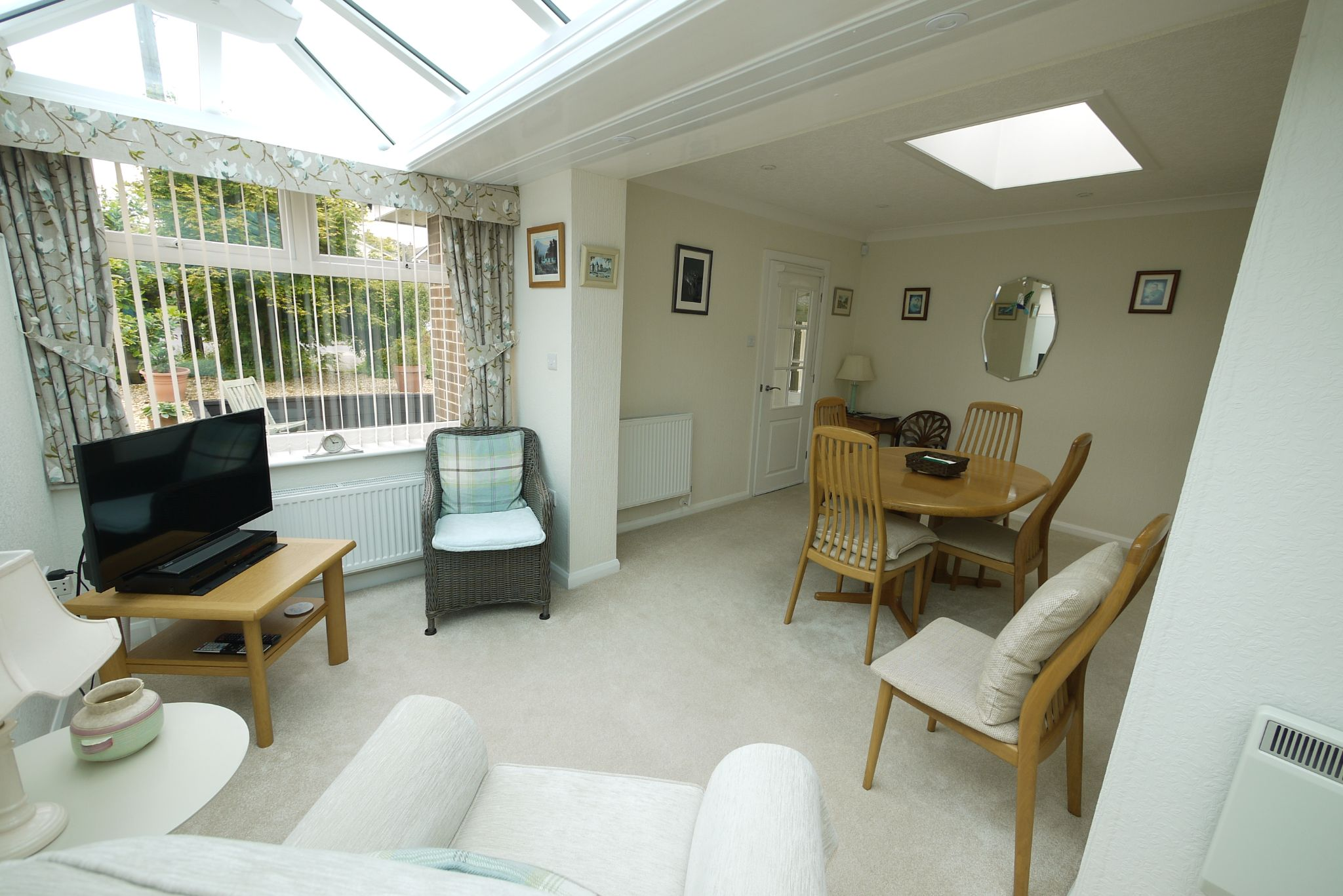 2 bedroom detached bungalow SSTC in Brighouse - Dining room 2.