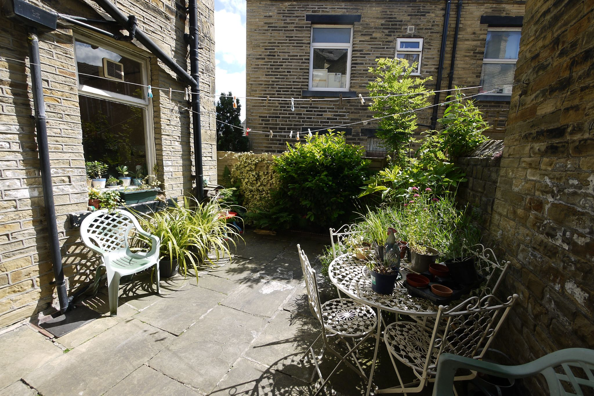 5 bedroom mid terraced house For Sale in Brighouse - Rear.