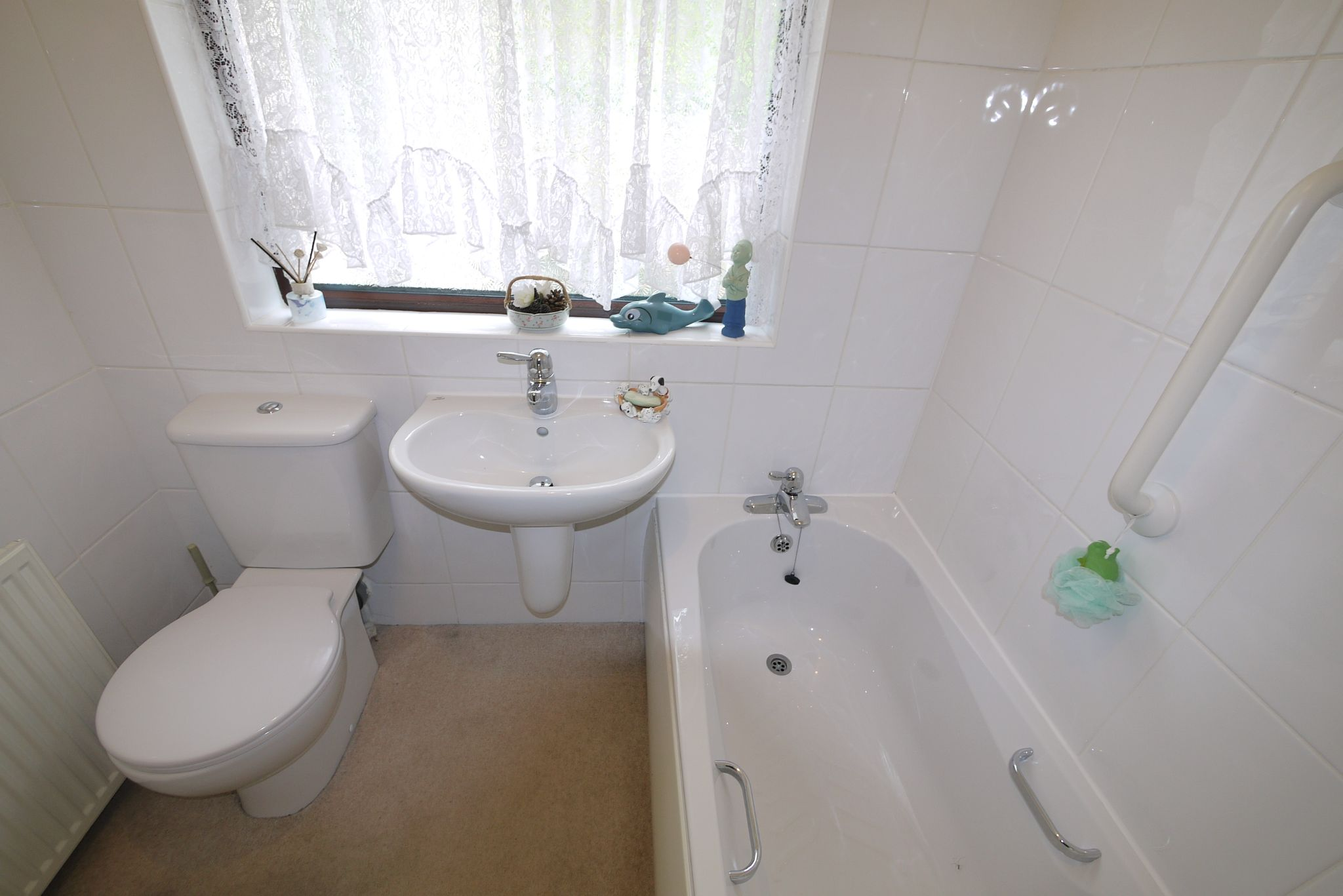 3 bedroom semi-detached bungalow SSTC in Brighouse - Photograph 8.