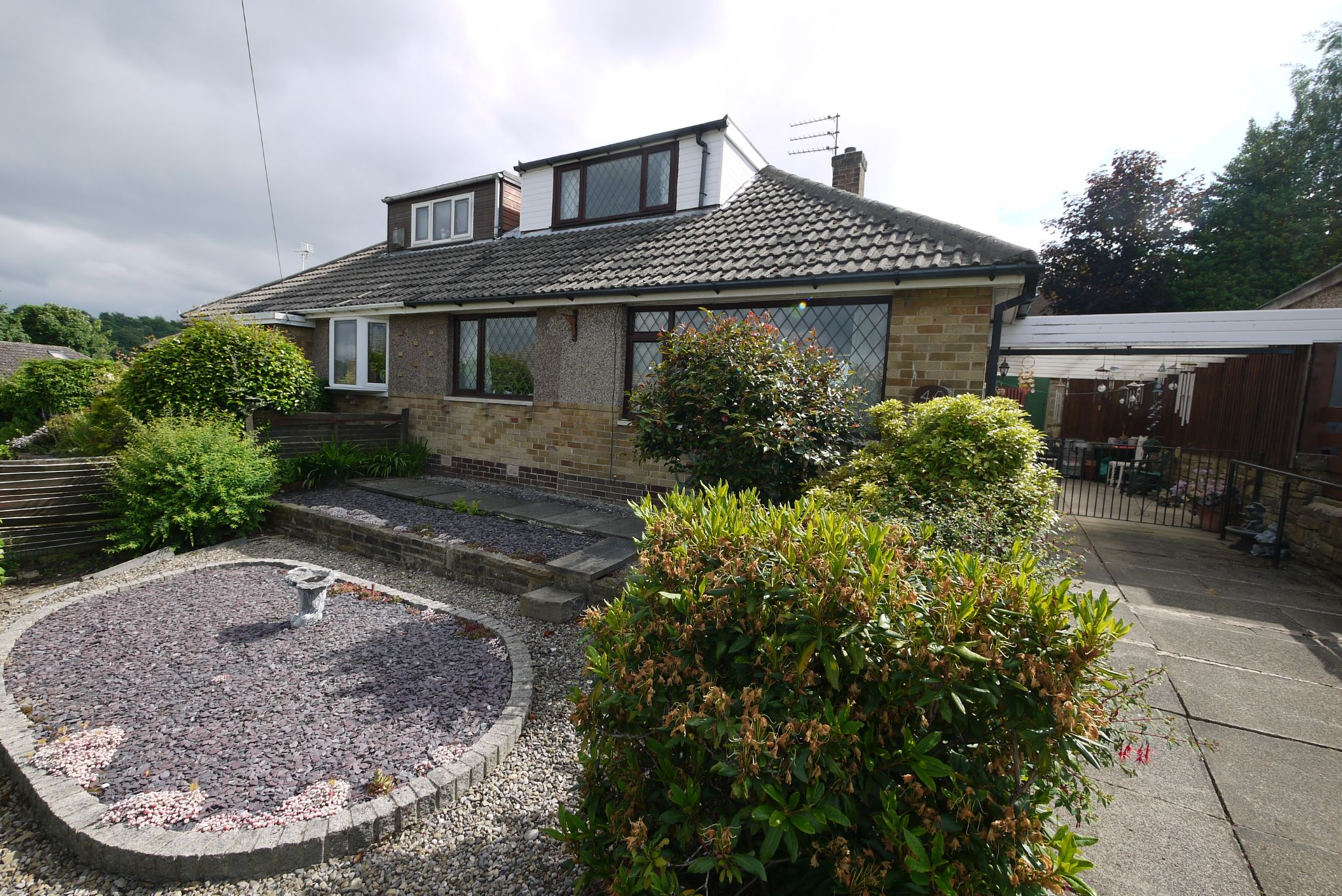 3 bedroom semi-detached bungalow SSTC in Brighouse - Photograph 1.