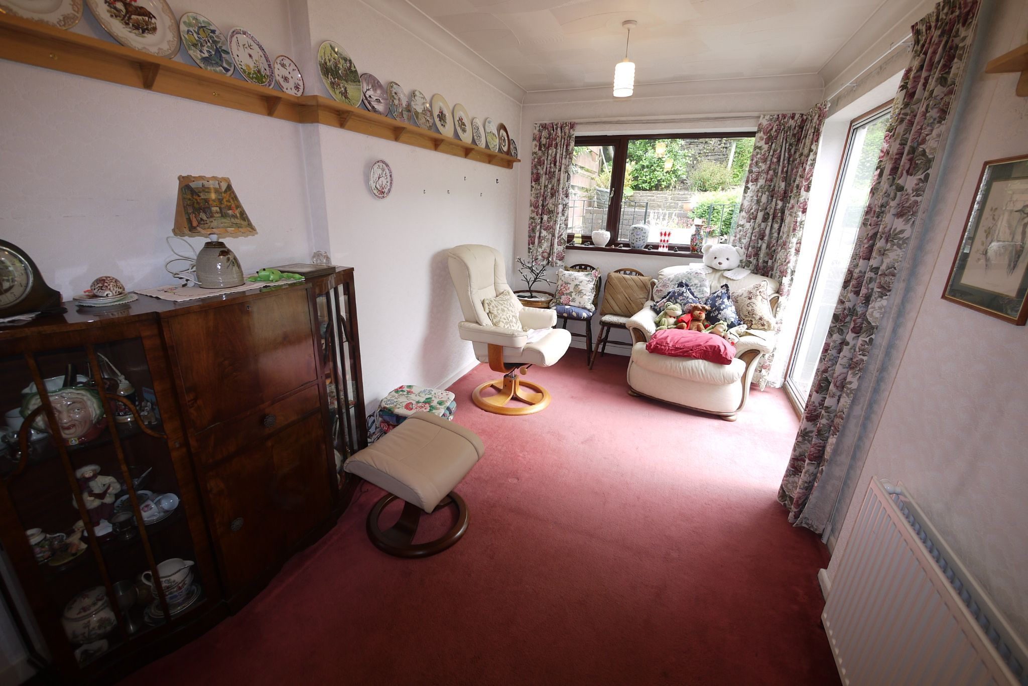 3 bedroom semi-detached bungalow SSTC in Brighouse - Photograph 5.