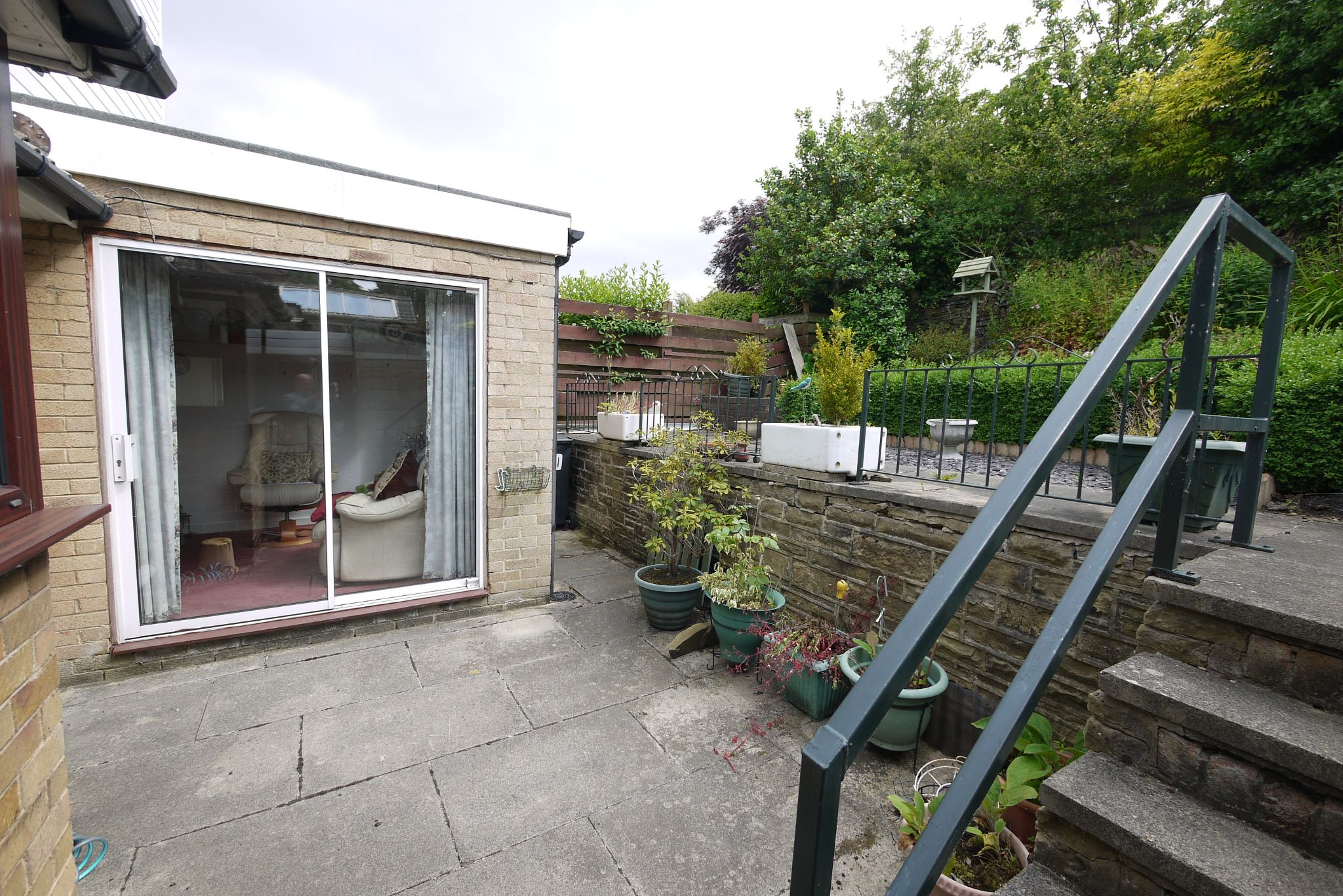 3 bedroom semi-detached bungalow SSTC in Brighouse - Photograph 13.
