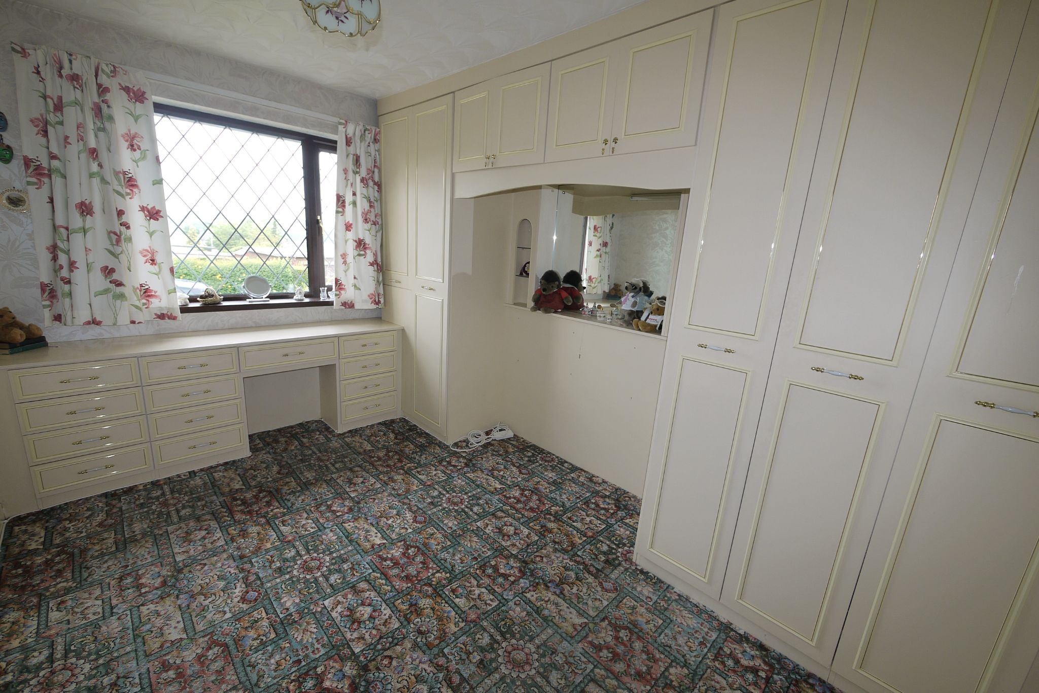 3 bedroom semi-detached bungalow SSTC in Brighouse - Photograph 7.