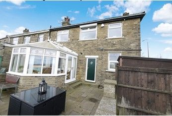 3 bedroom semi-detached house SSTC in Brighouse - Photograph 13.