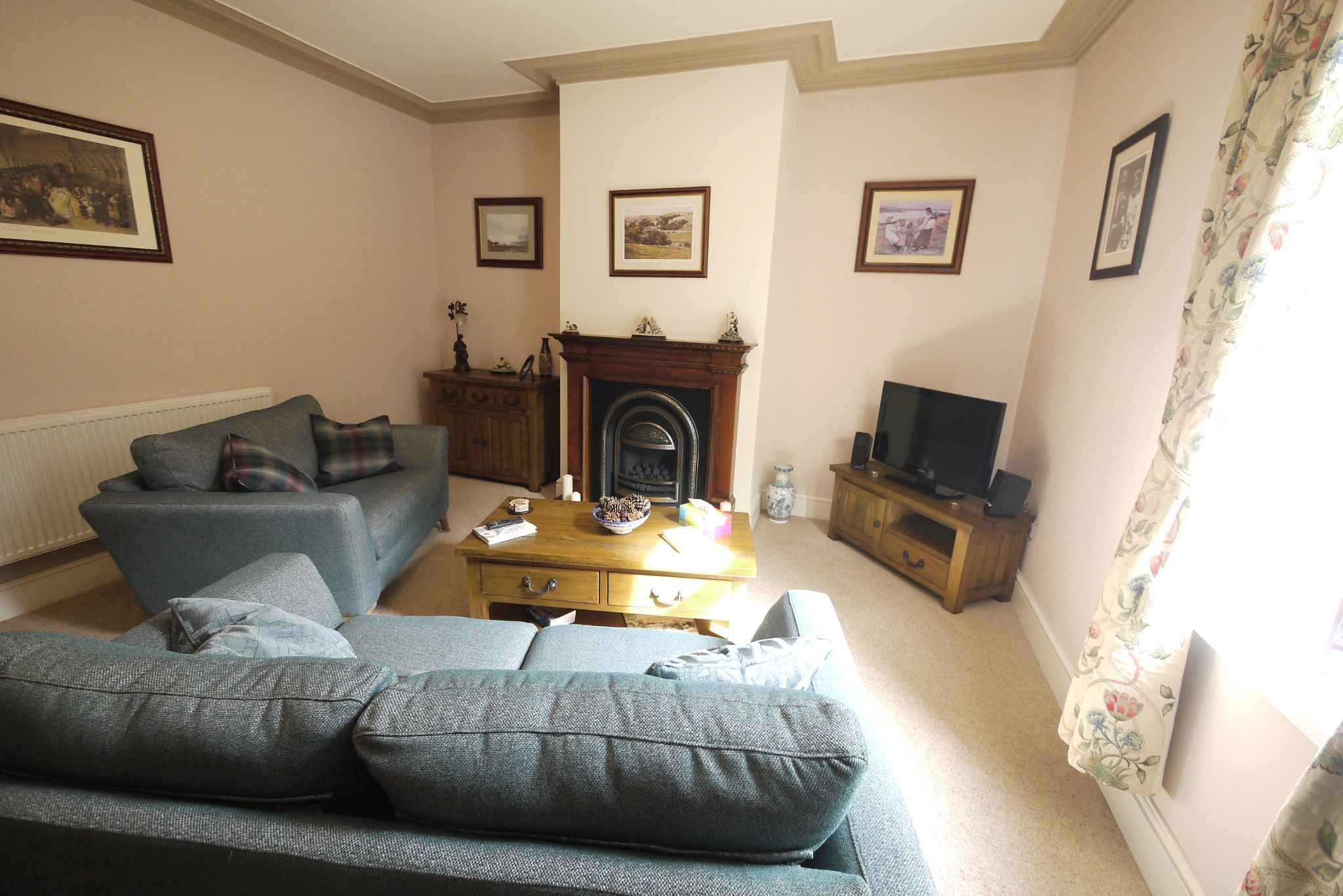 3 bedroom semi-detached house For Sale in Brighouse - Photograph 16.