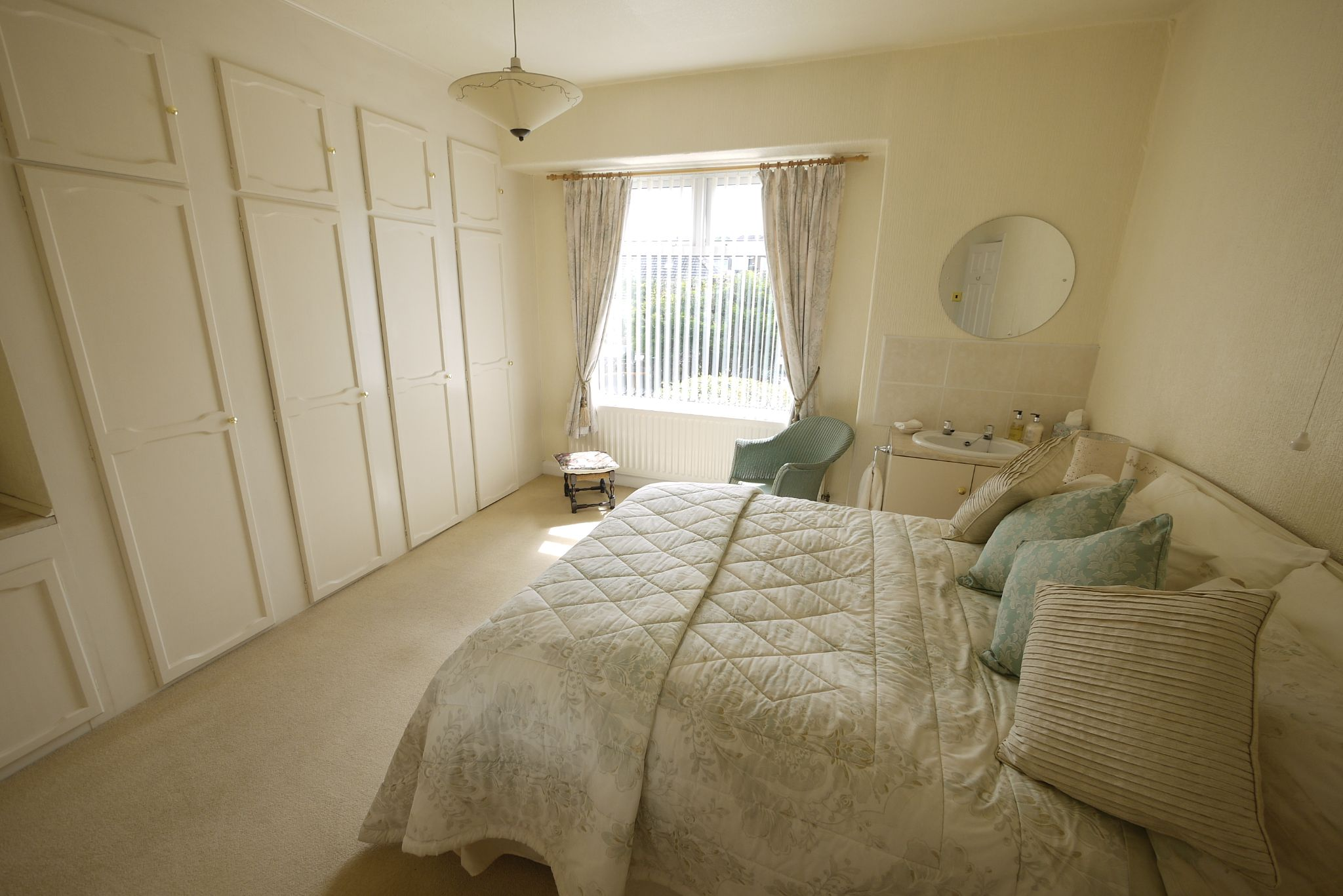 4 bedroom semi-detached house SSTC in Brighouse - Photograph 9.
