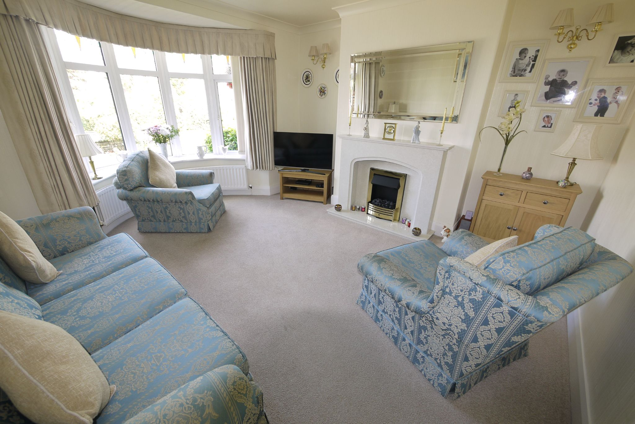 4 bedroom semi-detached house SSTC in Brighouse - Photograph 2.