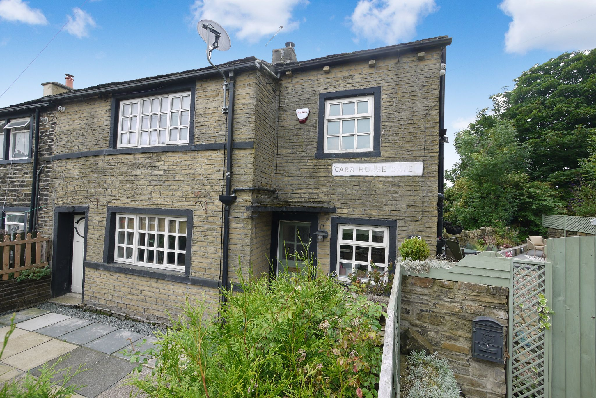 2 bedroom cottage house SSTC in Bradford - Photograph 1.