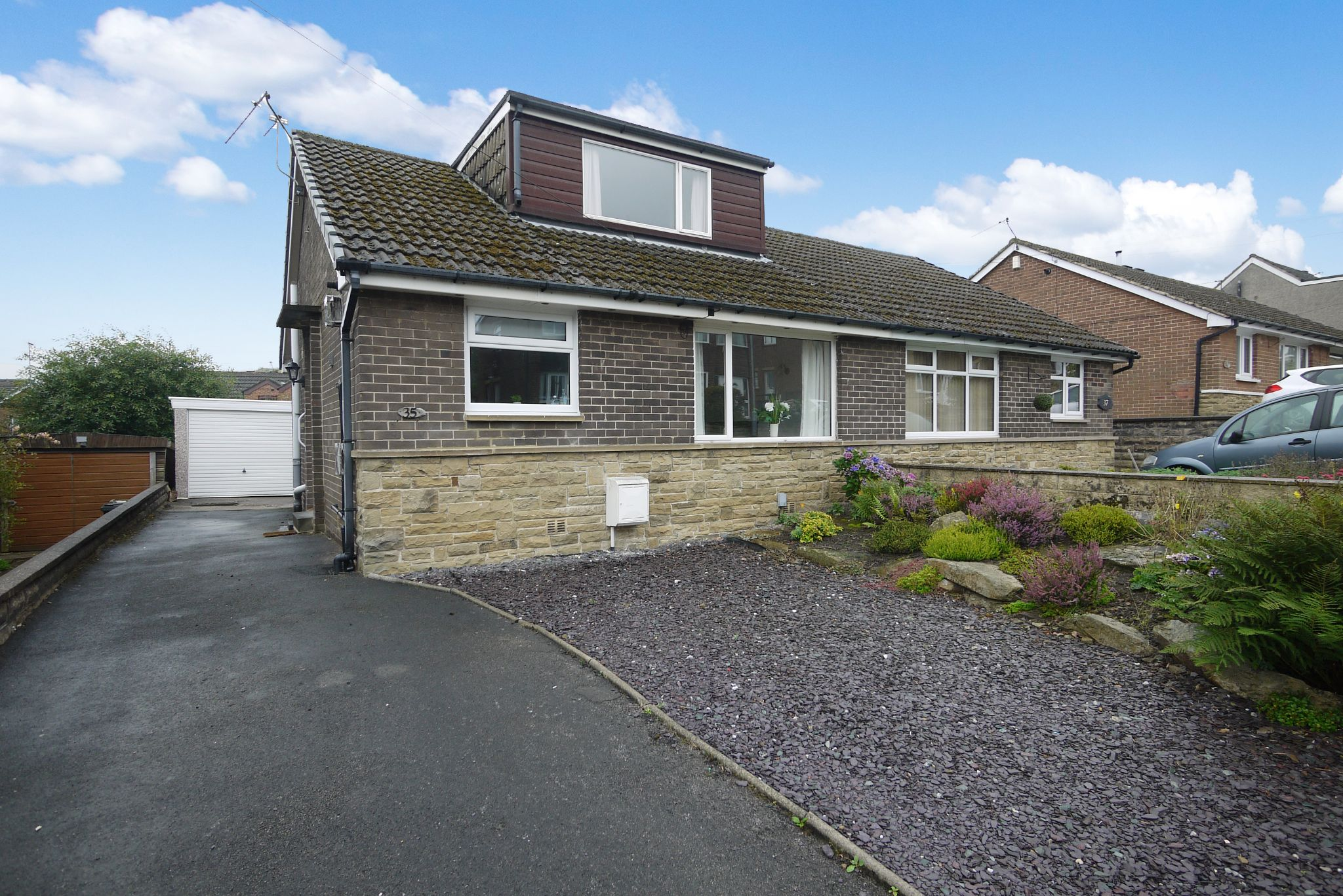 3 bedroom semi-detached bungalow For Sale in Brighouse - Photograph 1.
