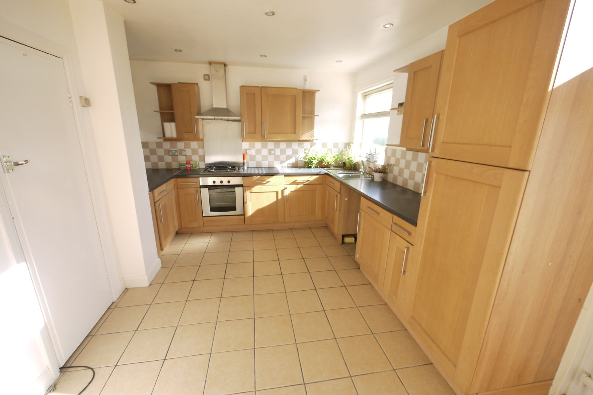 3 bedroom semi-detached house SSTC in Brighouse - Photograph 3.