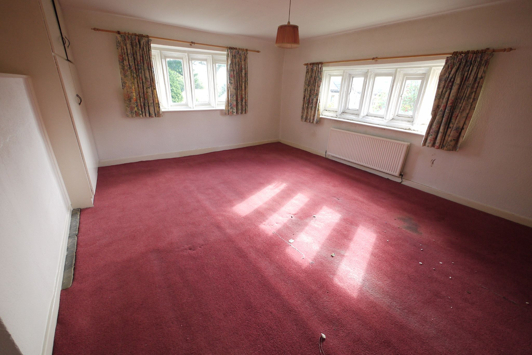 3 bedroom cottage house SSTC in Brighouse - Photograph 8.