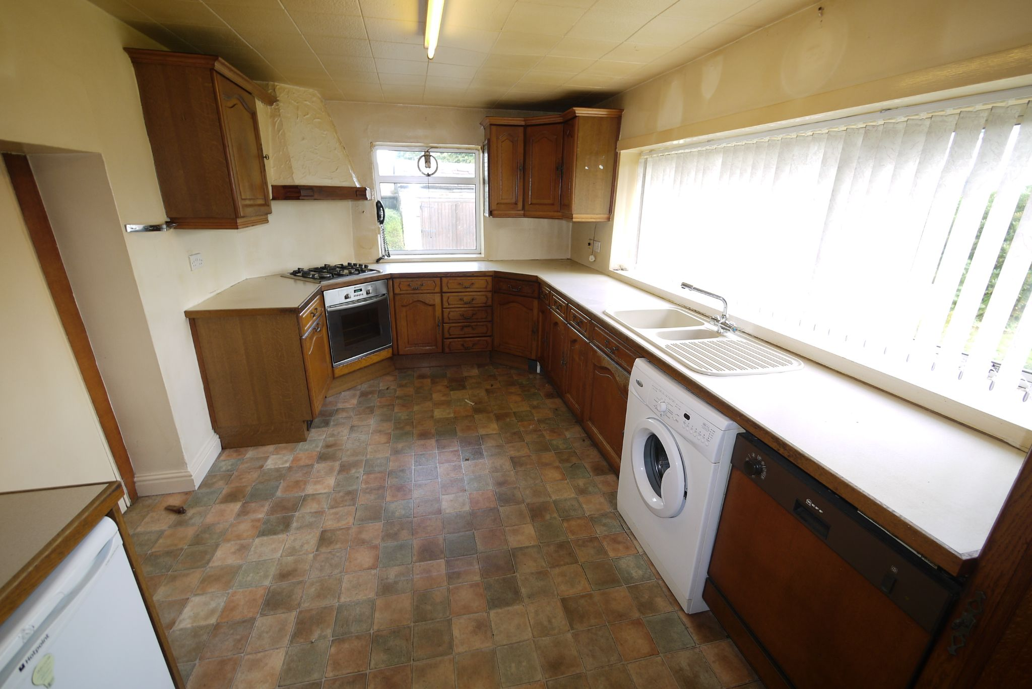 3 bedroom cottage house SSTC in Brighouse - Photograph 3.