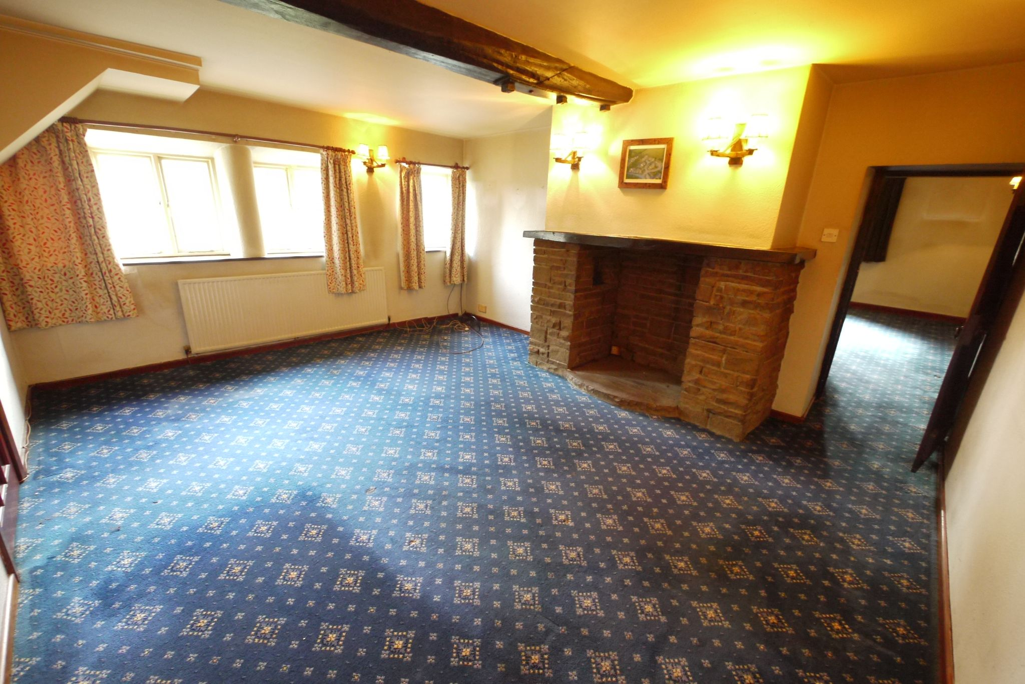 3 bedroom cottage house SSTC in Brighouse - Photograph 2.