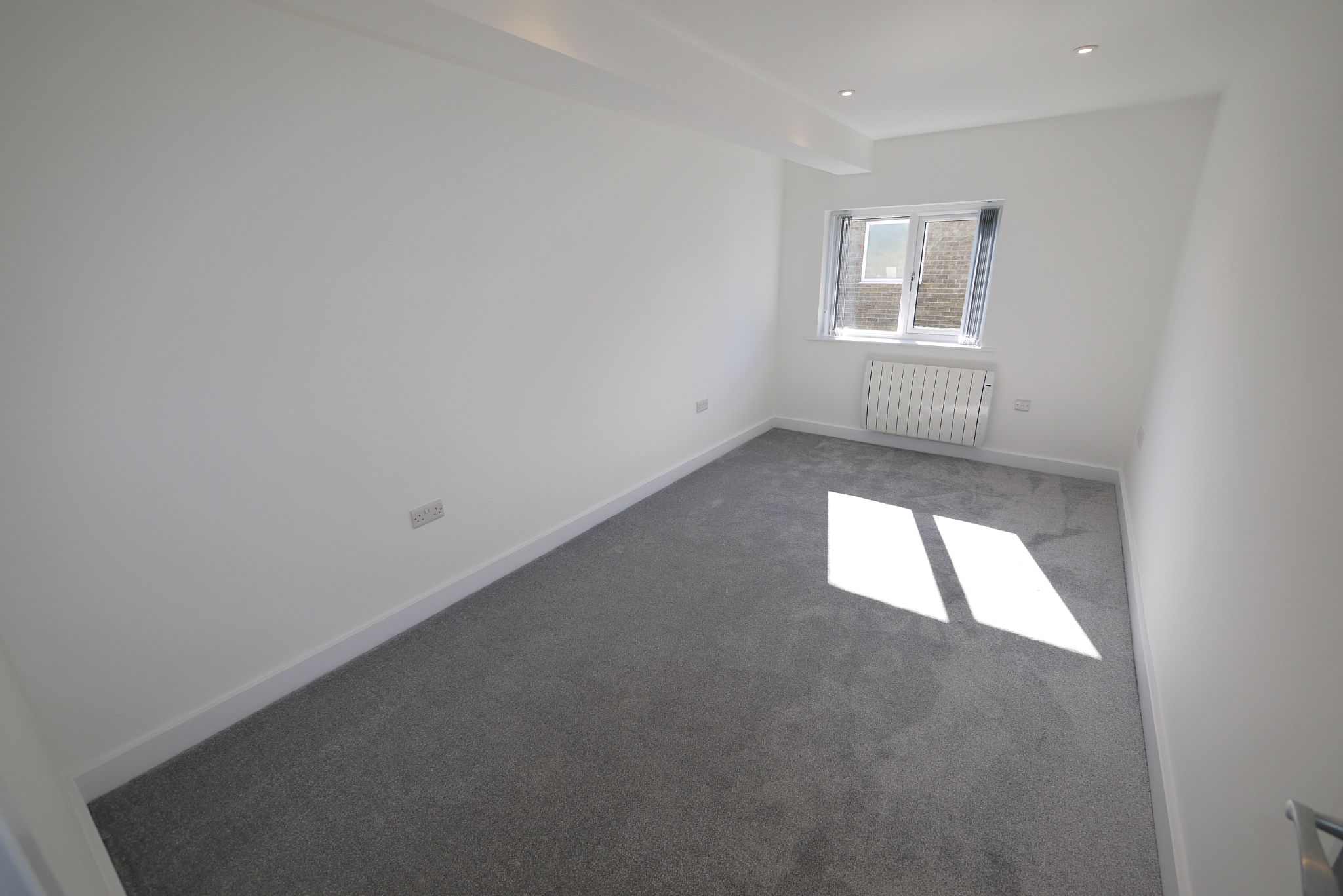 2 bedroom apartment flat/apartment To Let in Halifax - Photograph 7.