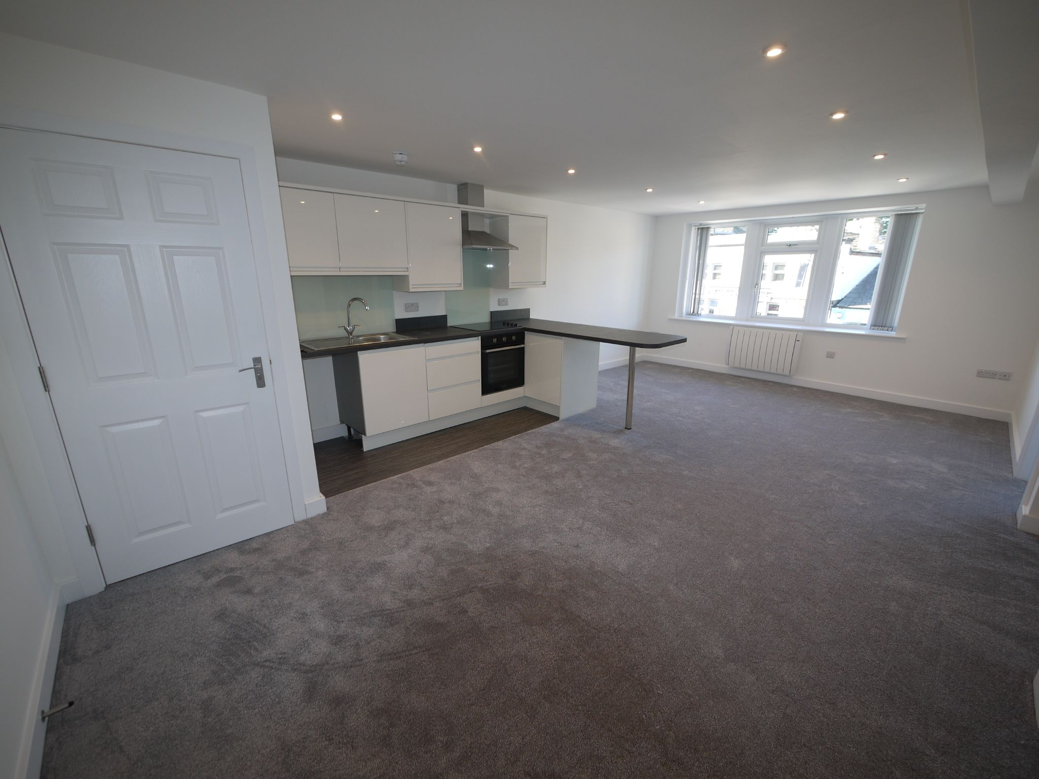 2 bedroom apartment flat/apartment To Let in Halifax - Photograph 1.