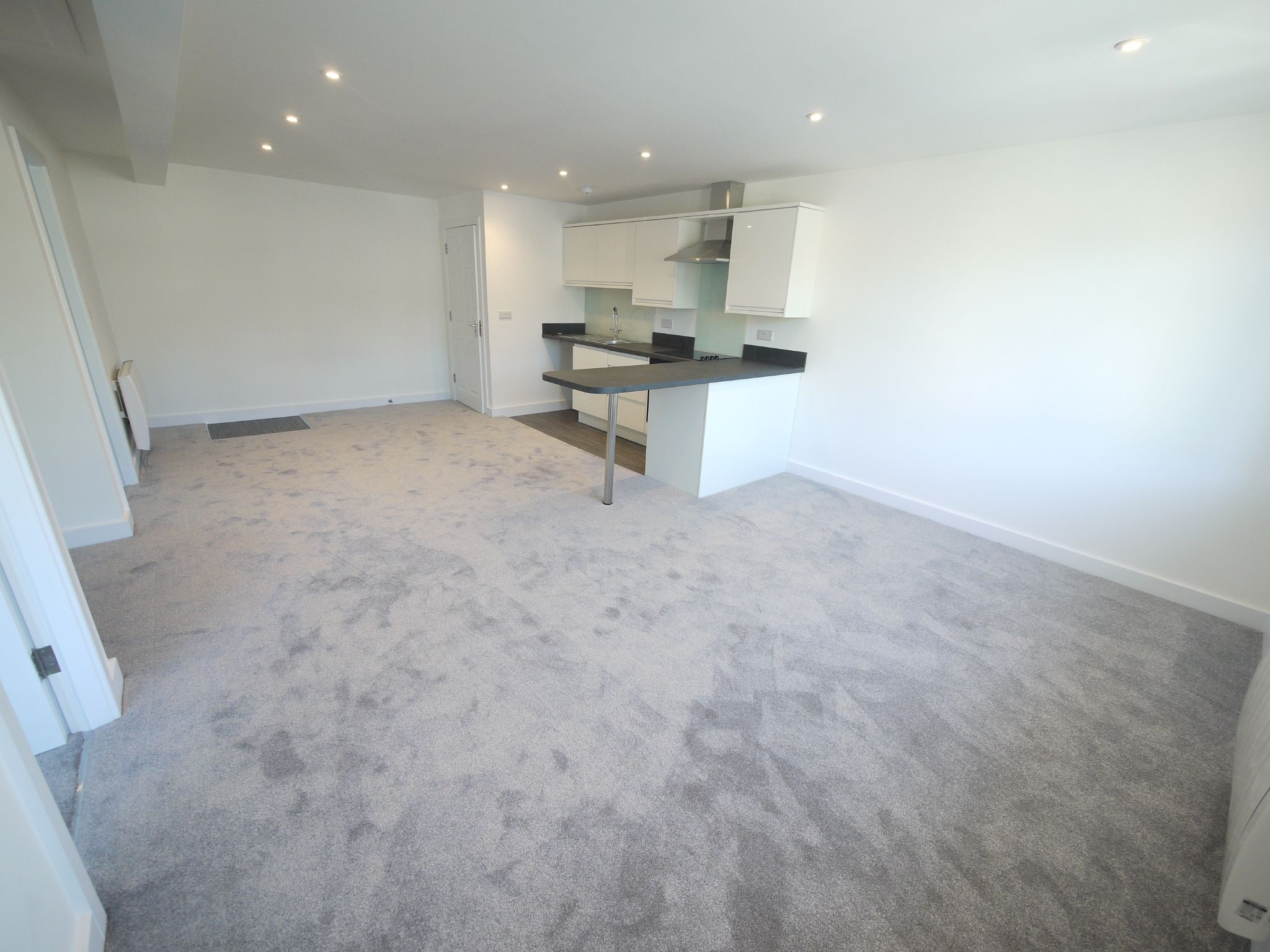 2 bedroom apartment flat/apartment To Let in Halifax - Photograph 3.