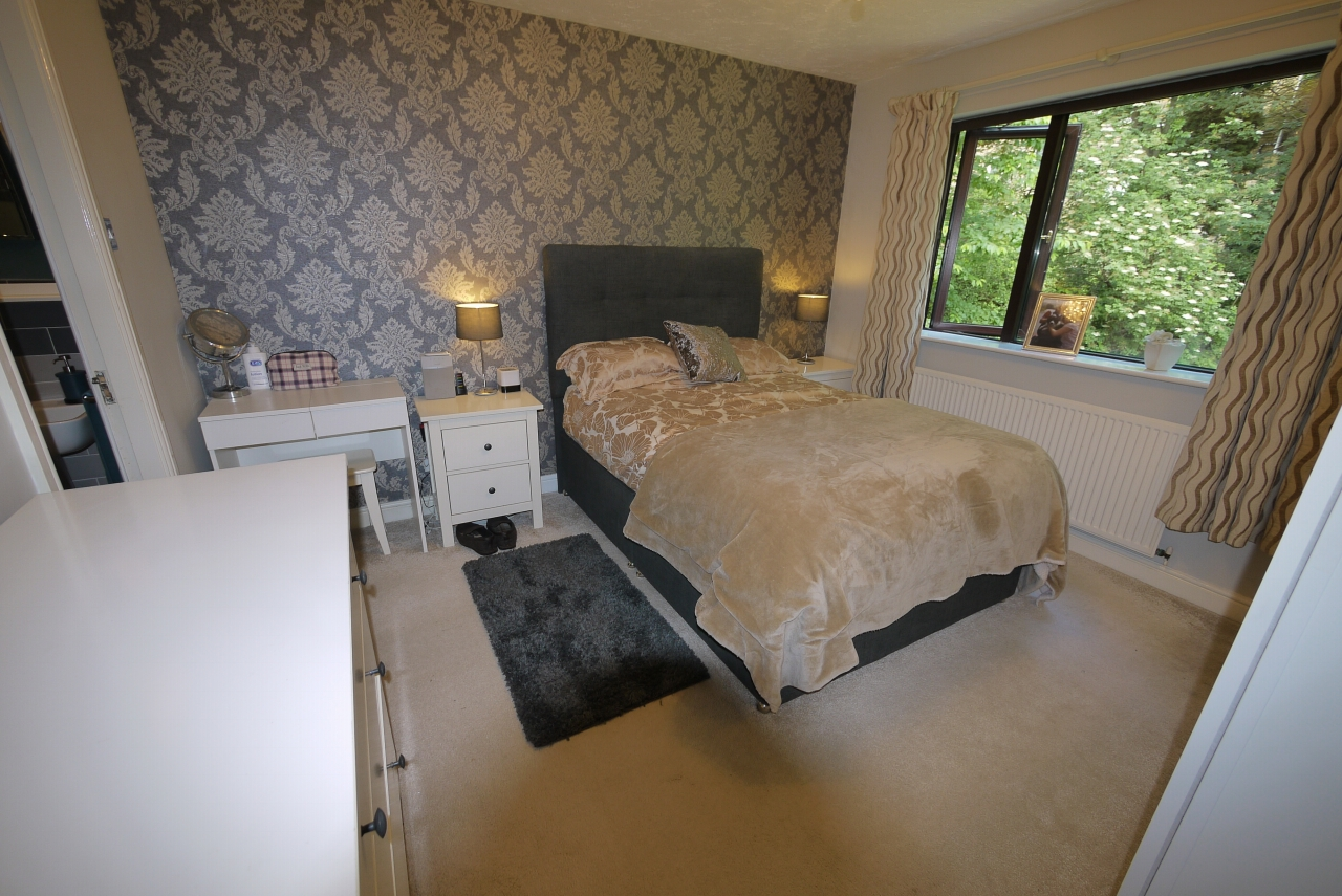 5 bedroom detached house SSTC in Brighouse - Photograph 5.