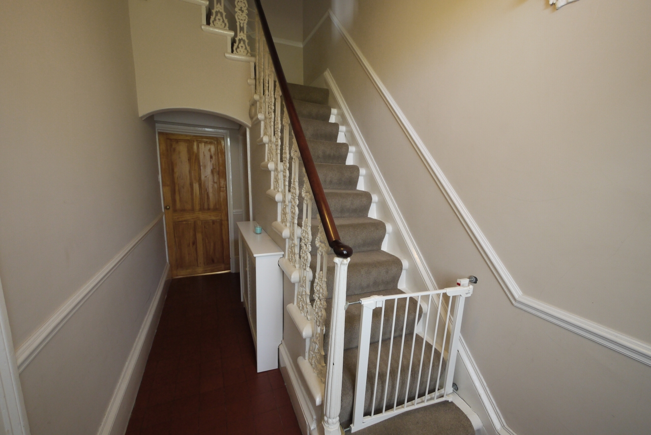 3 bedroom end terraced house SSTC in Brighouse - Entrance hall 2.