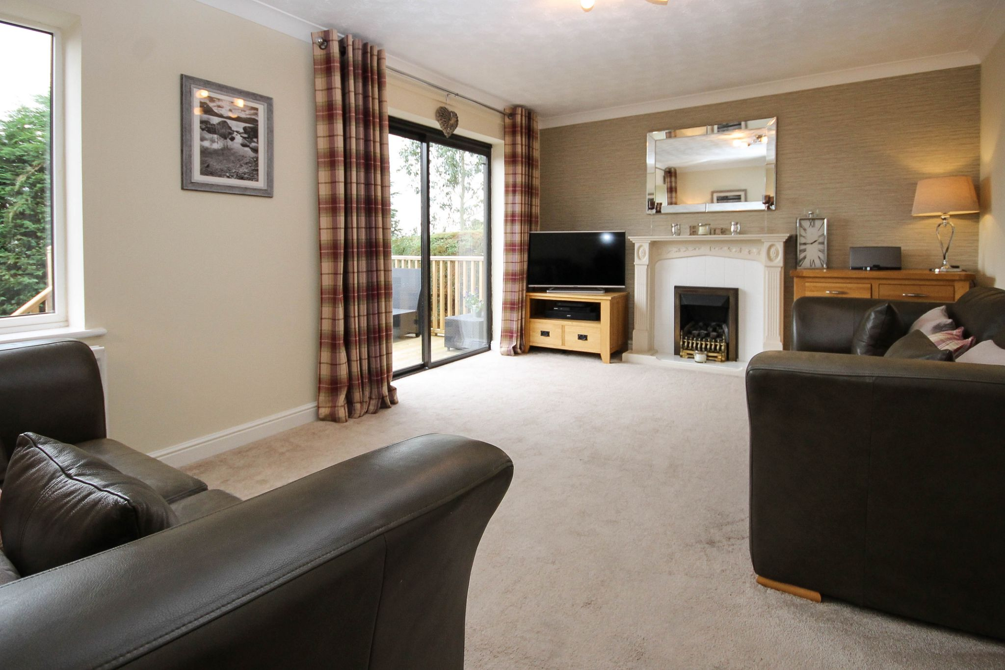 4 bedroom detached house Sale Agreed in Bolton - Property photograph