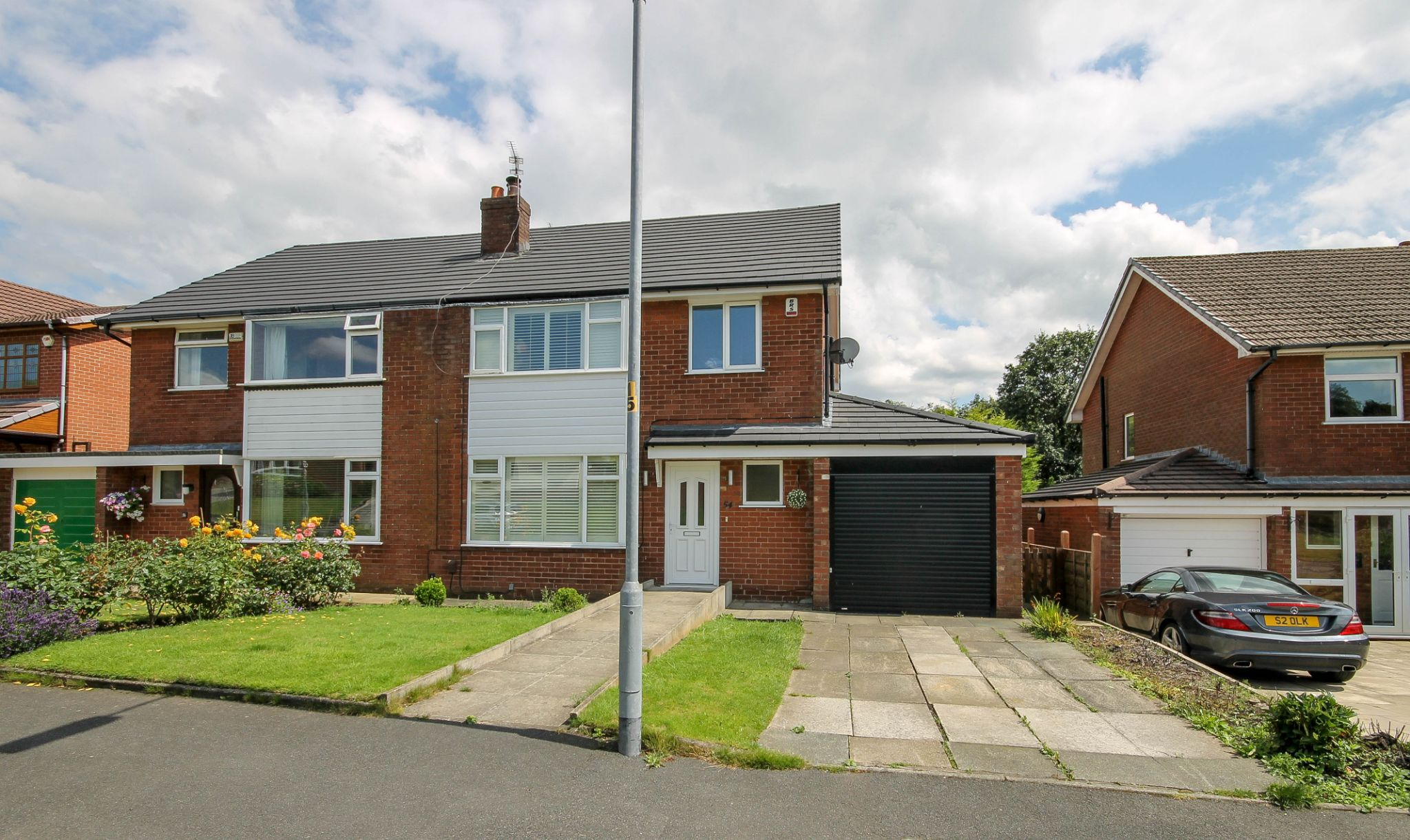 3 bedroom semi-detached house Sale Agreed in Bolton - Property photograph