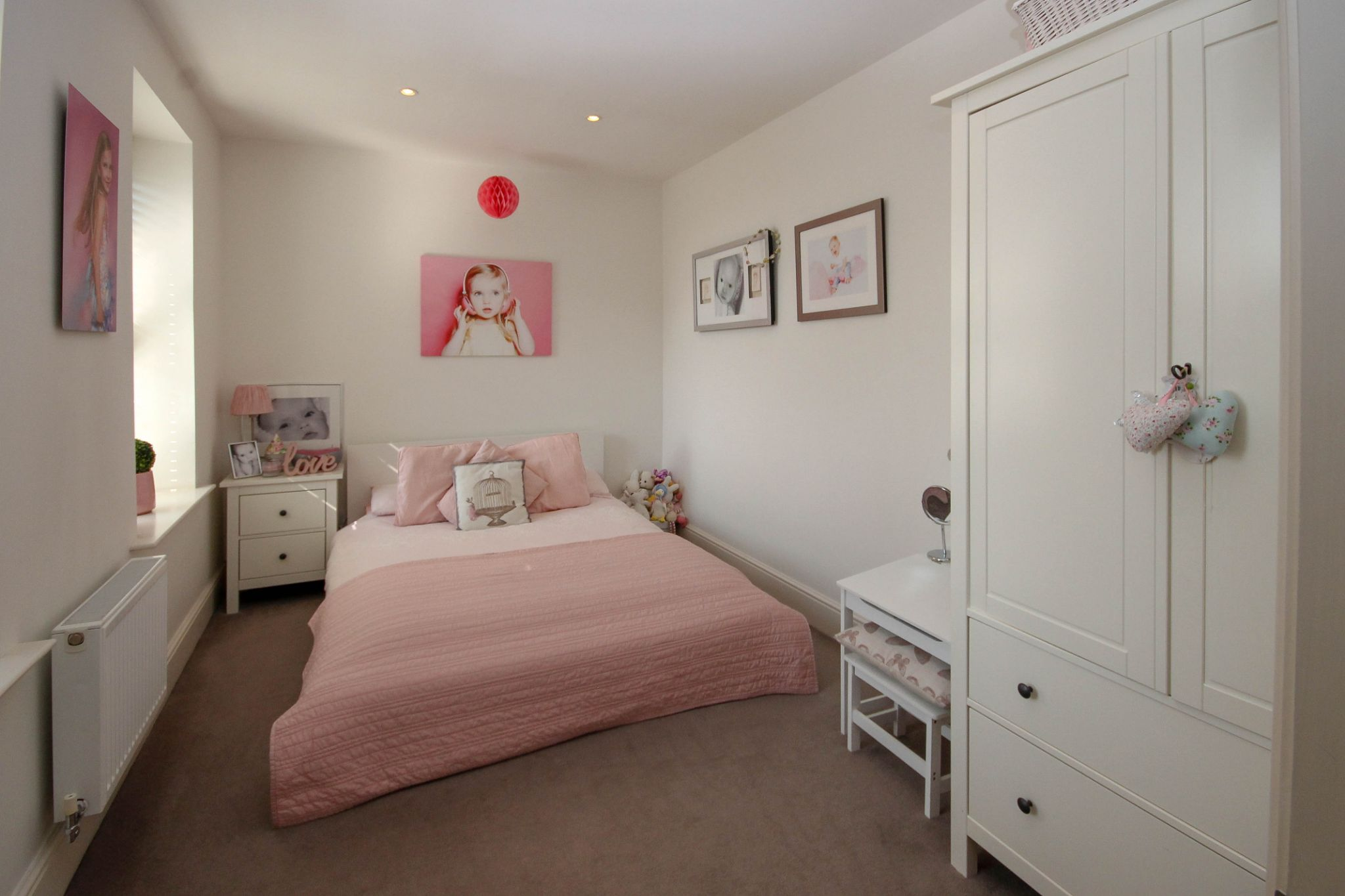 5 bedroom town house For Sale in Bolton - Photograph 24