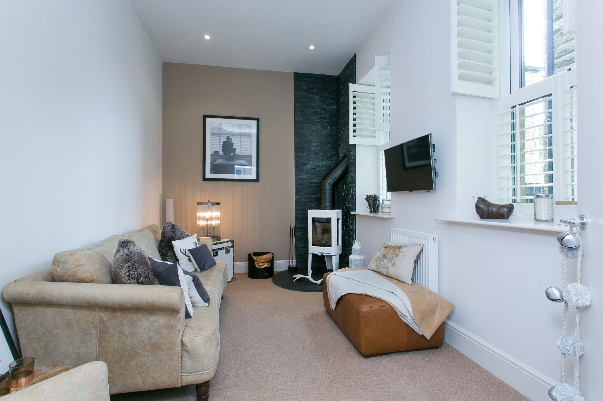 5 bedroom town house For Sale in Bolton - Photograph 43