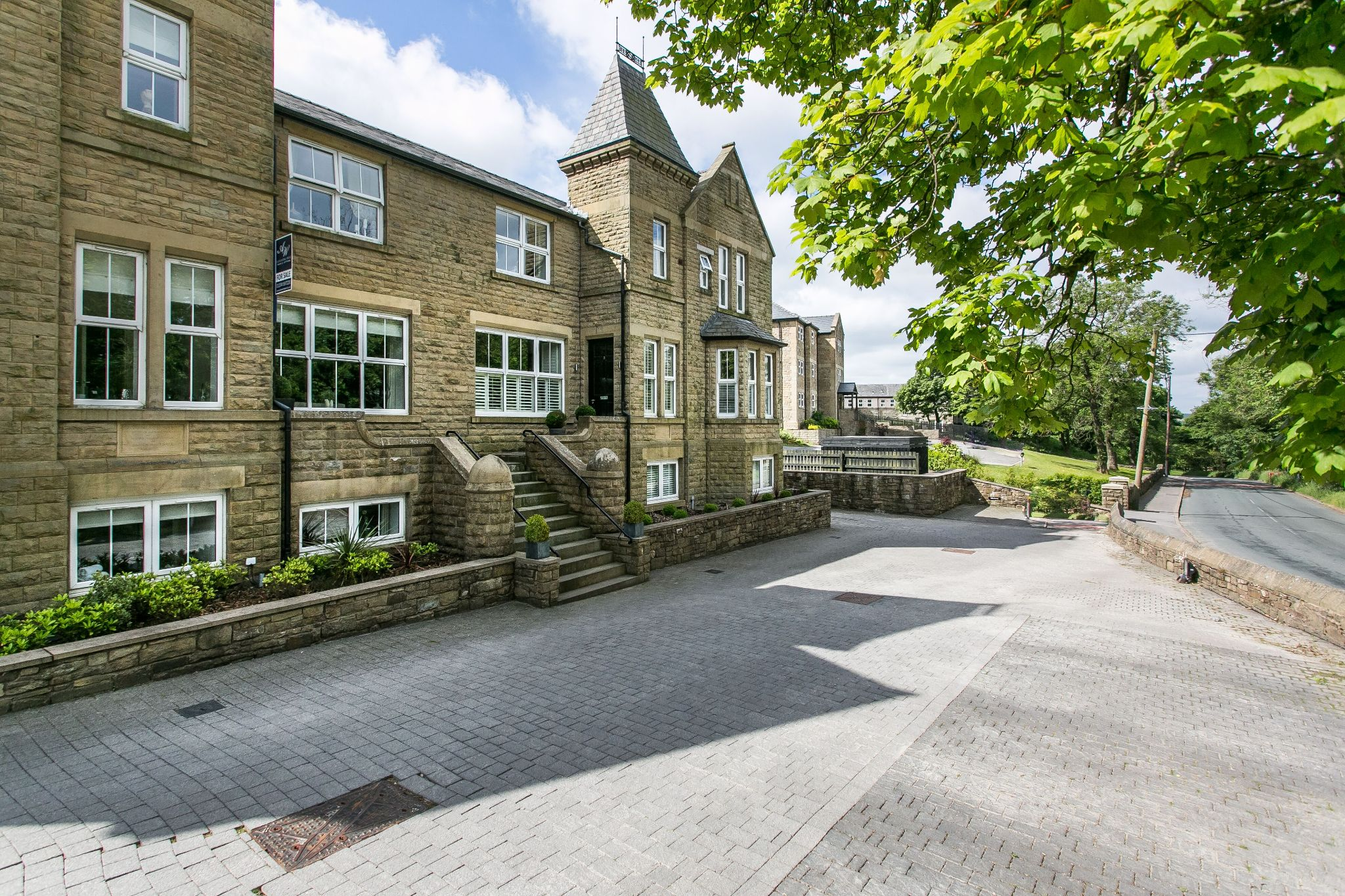 5 bedroom town house For Sale in Bolton - Property photograph