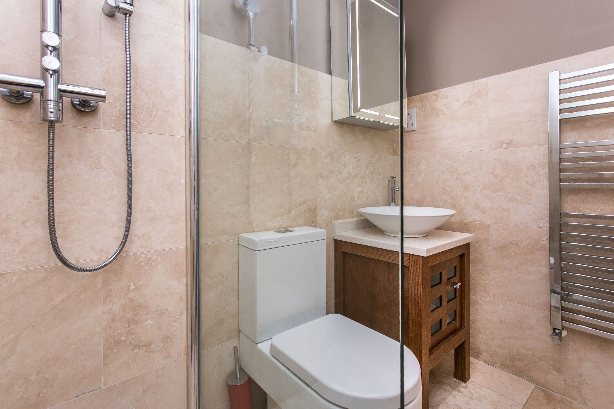 5 bedroom town house For Sale in Bolton - Photograph 17