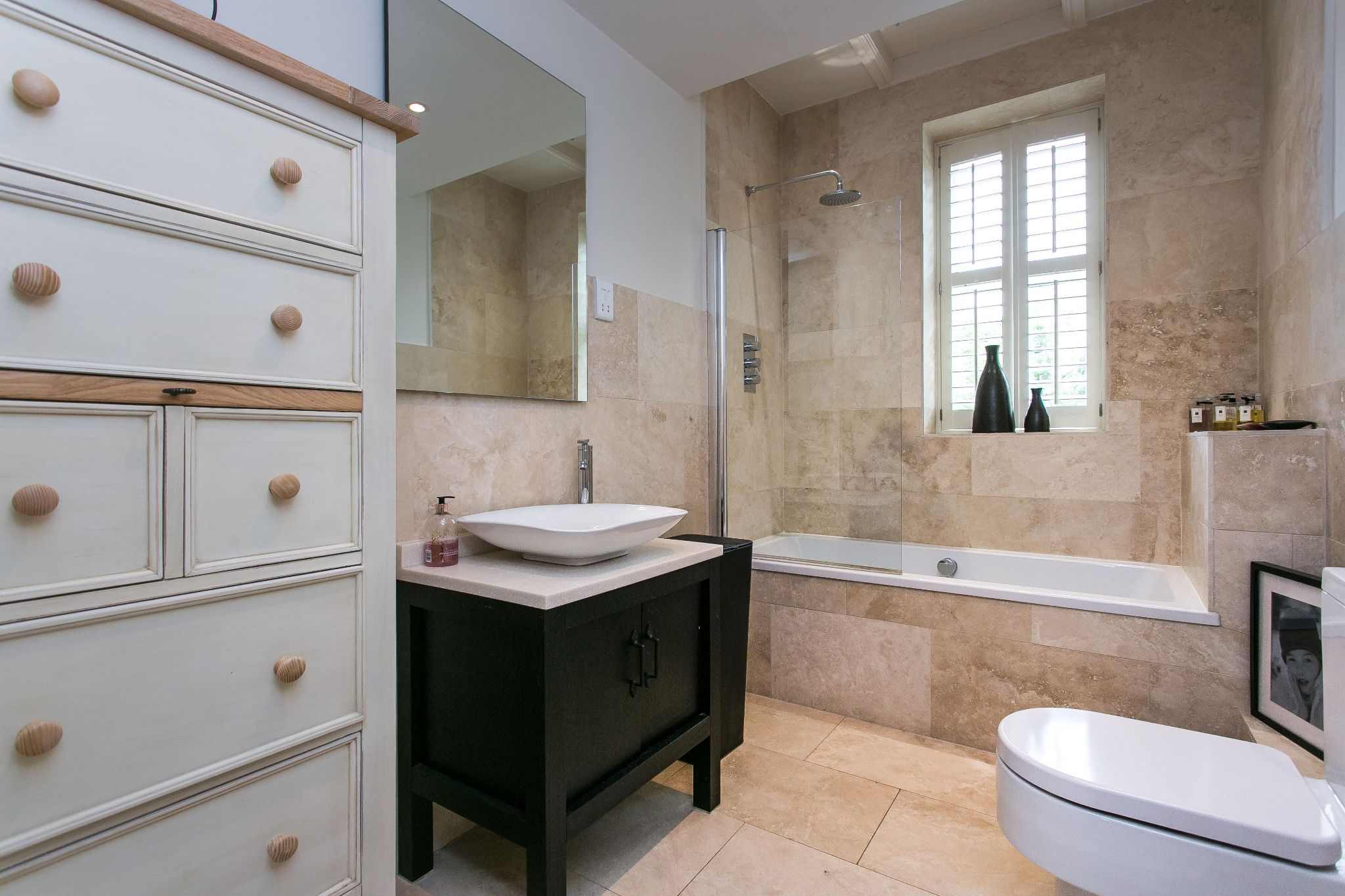 5 bedroom town house For Sale in Bolton - Photograph 18