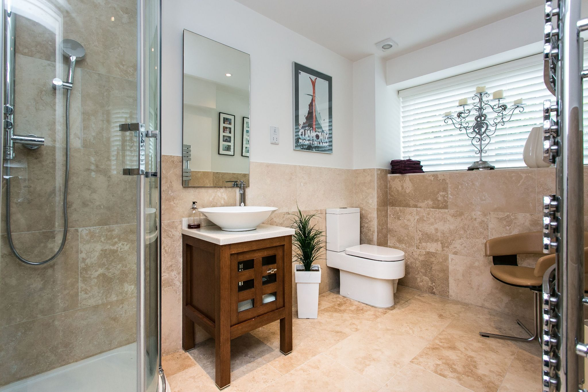 5 bedroom town house For Sale in Bolton - Photograph 7