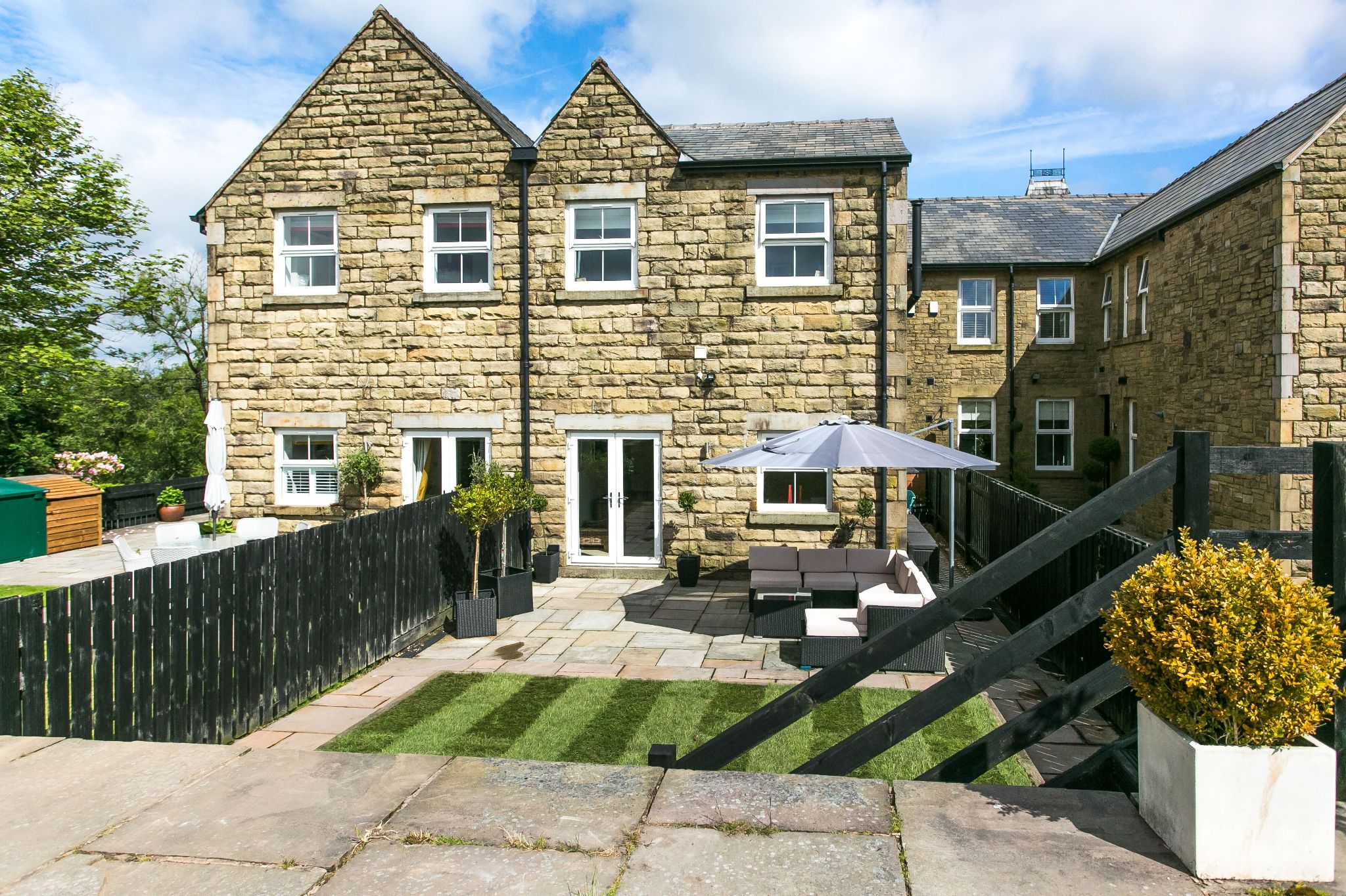 5 bedroom town house For Sale in Bolton - Photograph 42
