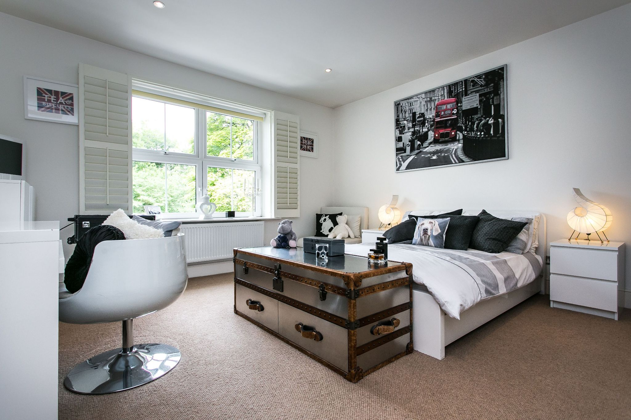 5 bedroom town house For Sale in Bolton - Photograph 16