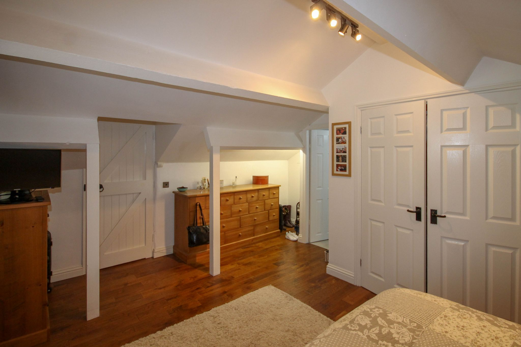 4 bedroom detached house For Sale in Bolton - Photograph 15