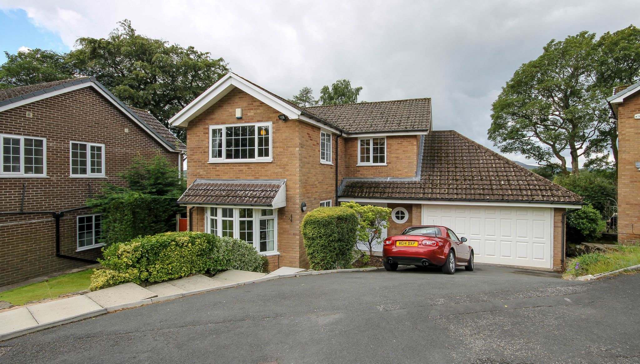 5 bedroom detached house Sale Agreed in Bolton - Property photograph