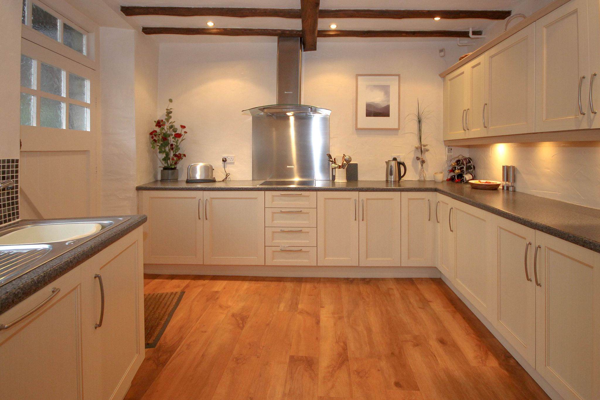 4 bedroom barn conversion house For Sale in Bolton - Property photograph