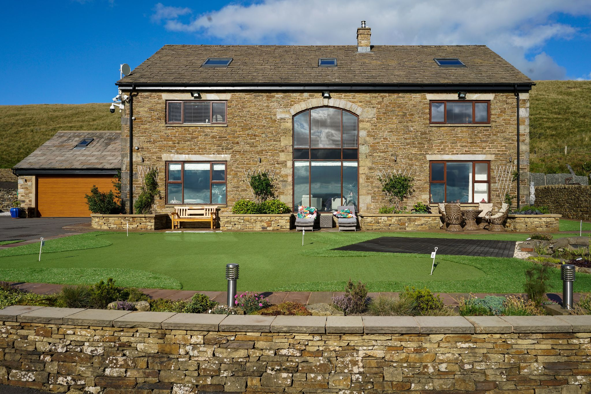 5 bedroom barn conversion house For Sale in Bolton - Photograph 90