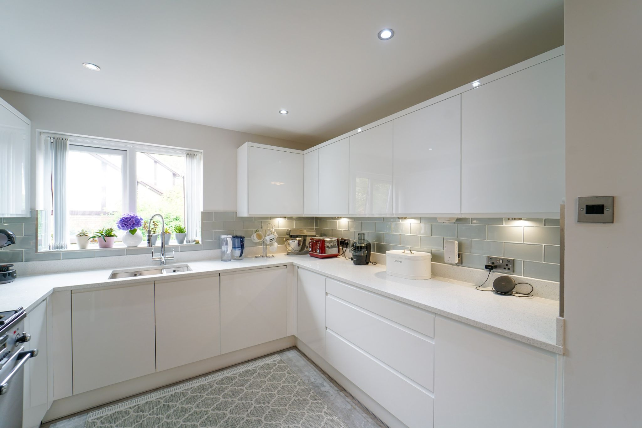 3 bedroom detached bungalow For Sale in Bolton - Property photograph