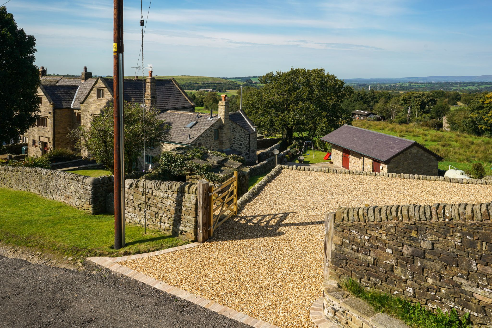 4 bedroom undefined house For Sale in Darwen - Photograph 8
