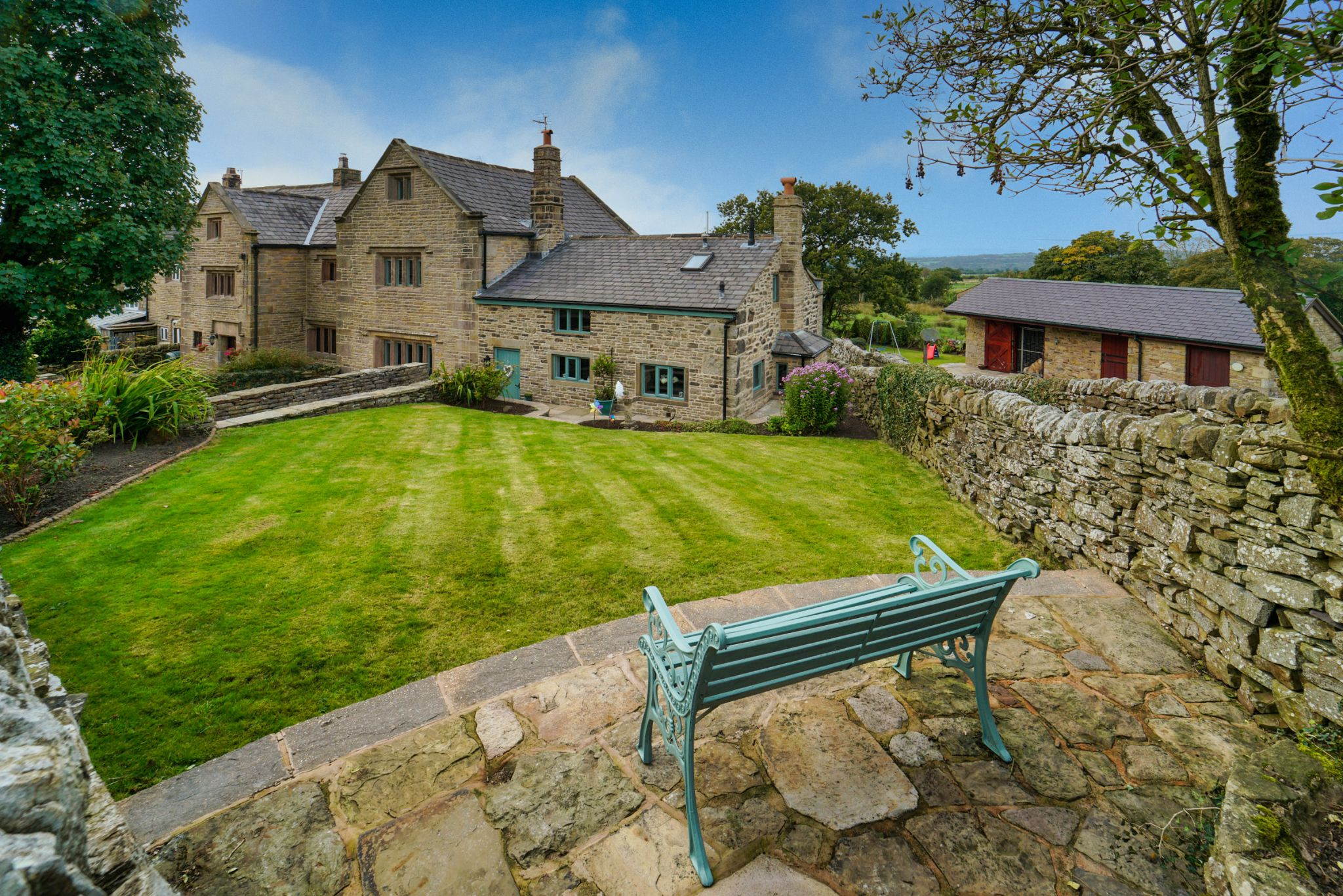 4 bedroom undefined house For Sale in Darwen - Photograph 5