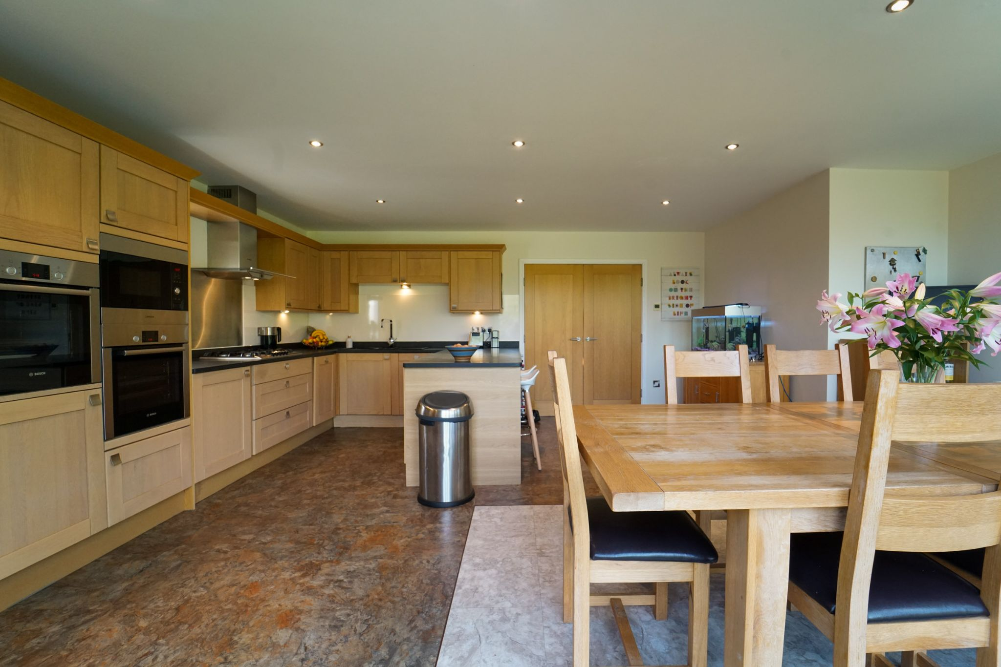 4 bedroom detached house Sale Agreed in Bolton - Photograph 75
