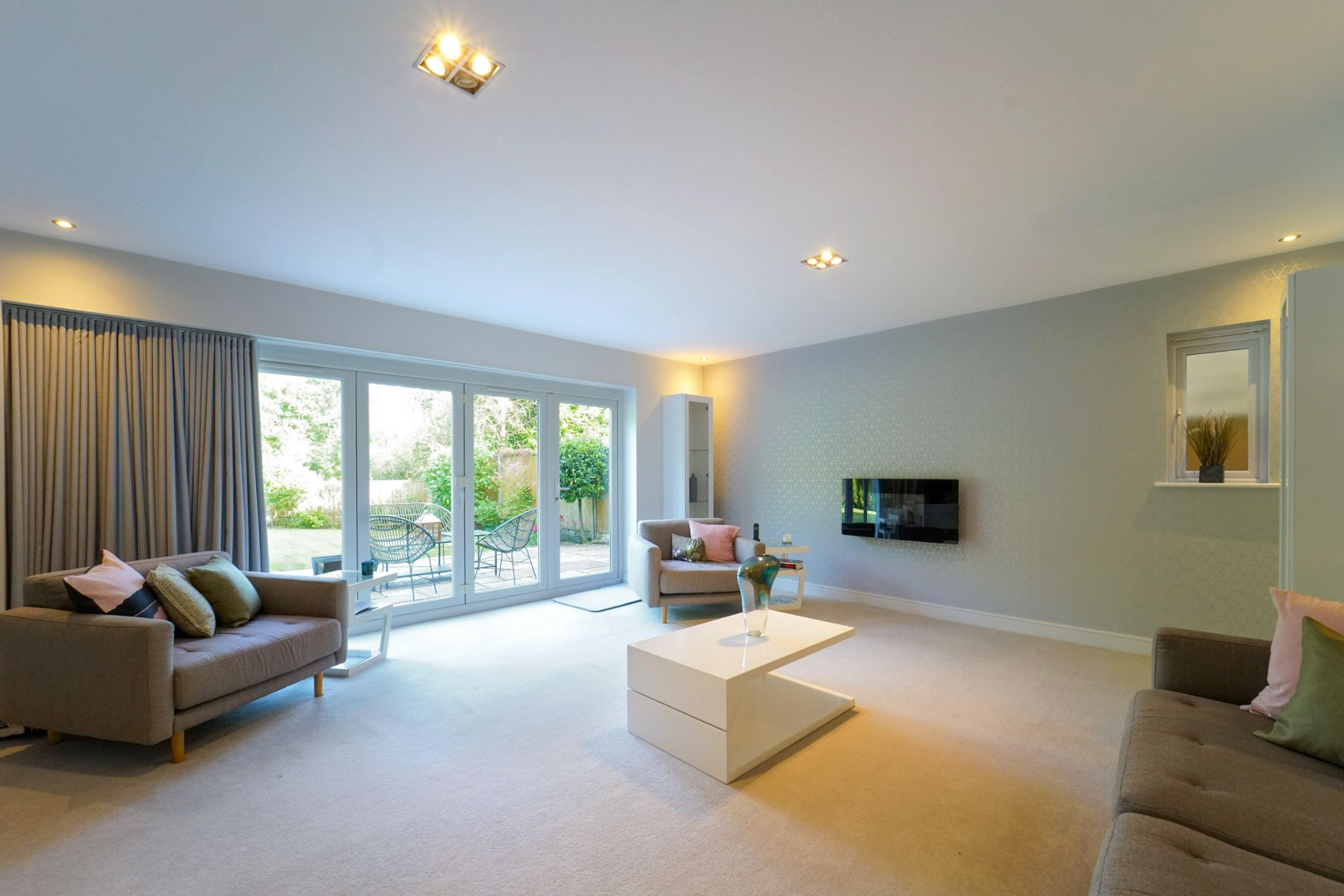 4 bedroom detached house Sale Agreed in Bolton - Photograph 53